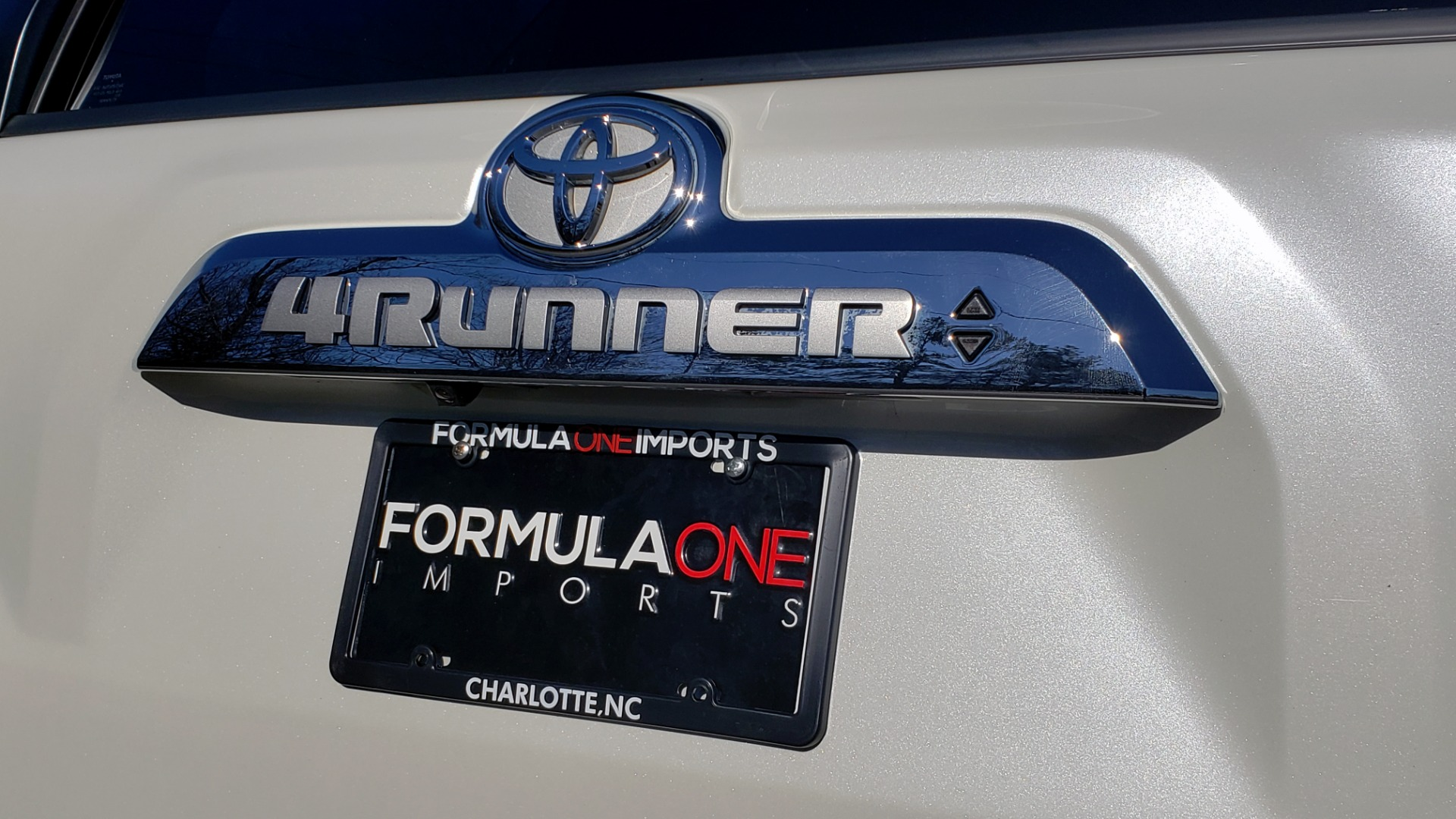 Used 2018 Toyota 4RUNNER LIMITED 4X4 / 4.0L V6 / AUTO / NAV / SUNROOF / JBL AUDIO / REARVIEW for sale Sold at Formula Imports in Charlotte NC 28227 29