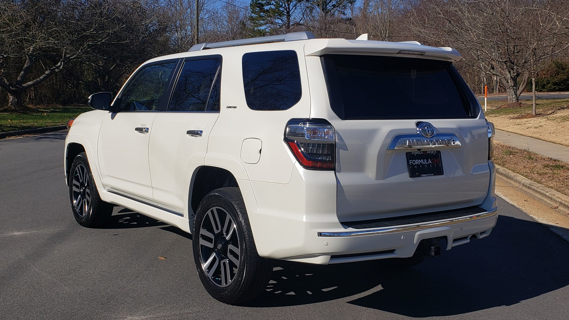 Used 2018 Toyota 4RUNNER LIMITED 4X4 / 4.0L V6 / AUTO / NAV / SUNROOF / JBL AUDIO / REARVIEW for sale Sold at Formula Imports in Charlotte NC 28227 3