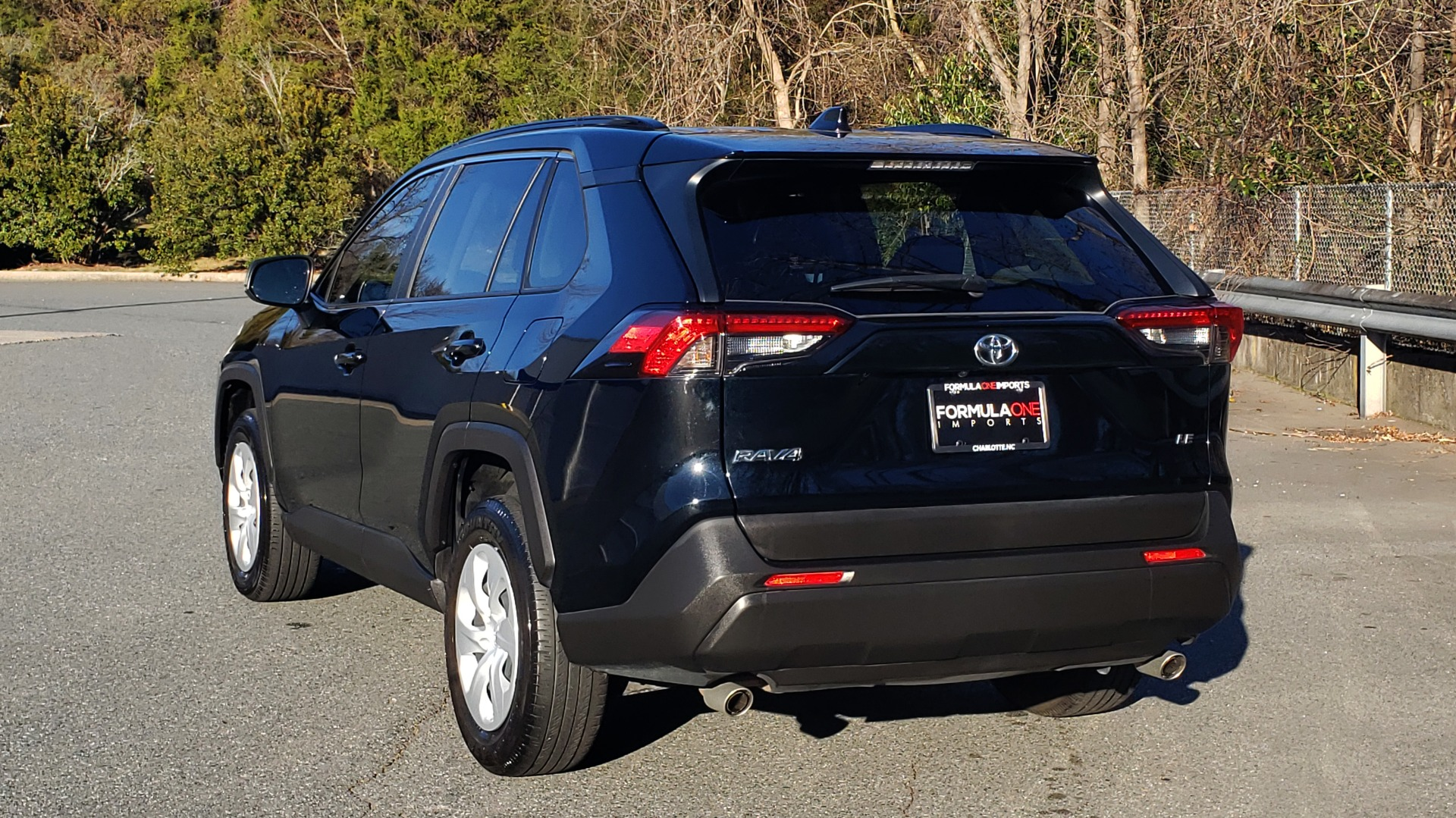 Used 2019 Toyota RAV4 LE / 2.5L I4 / 8-SPEED AUTO / LTA / PCS / RSA / REARVIEW for sale Sold at Formula Imports in Charlotte NC 28227 3