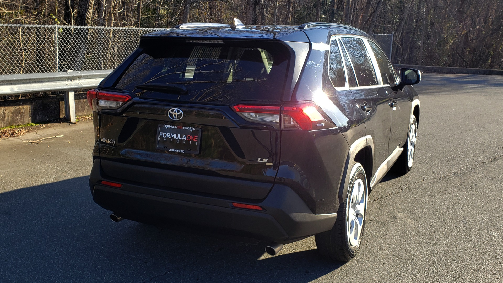 Used 2019 Toyota RAV4 LE / 2.5L I4 / 8-SPEED AUTO / LTA / PCS / RSA / REARVIEW for sale Sold at Formula Imports in Charlotte NC 28227 8