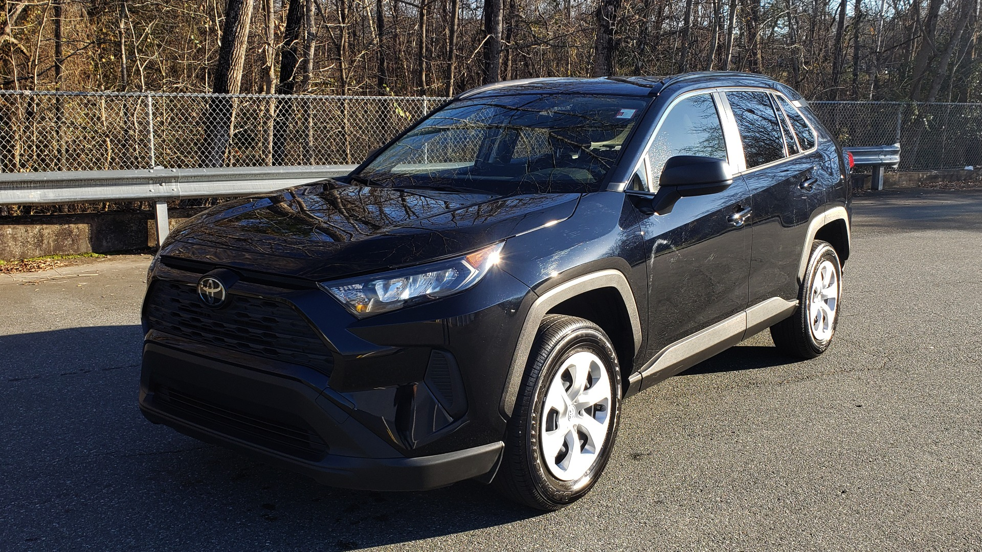 Used 2019 Toyota RAV4 LE / 2.5L I4 / 8-SPEED AUTO / LTA / PCS / RSA / REARVIEW for sale Sold at Formula Imports in Charlotte NC 28227 1