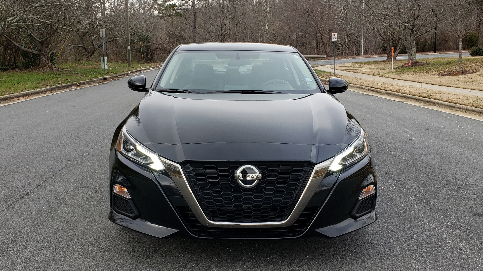 Used 2019 Nissan ALTIMA 2.5 SR PREMIUM / 2.5L / CVT TRANS / HTD STS / SUNROOF / REARVIEW for sale Sold at Formula Imports in Charlotte NC 28227 21