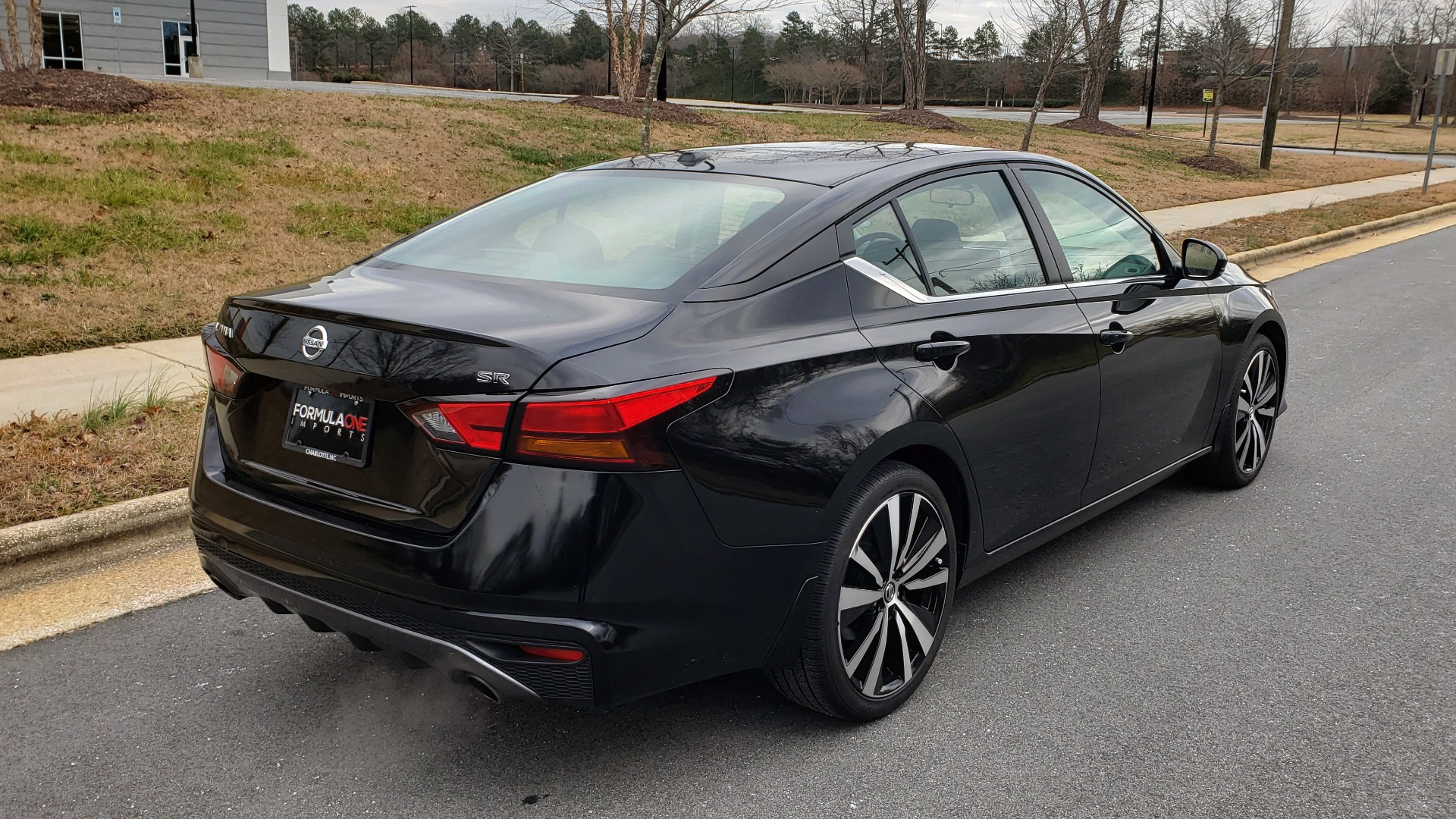 Used 2019 Nissan ALTIMA 2.5 SR PREMIUM / 2.5L / CVT TRANS / HTD STS / SUNROOF / REARVIEW for sale Sold at Formula Imports in Charlotte NC 28227 8