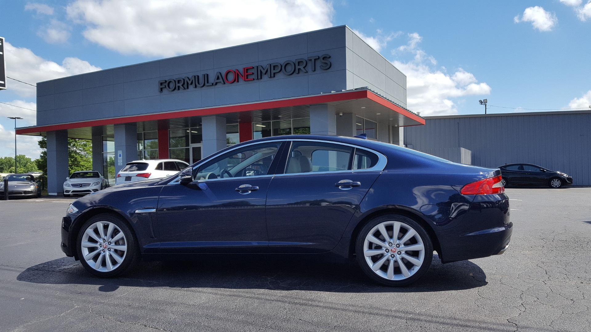Used 2014 Jaguar XF V6 SC AWD PREMIUM / NAV / COLD CLIMATE PKG / VISION / REARVIEW for sale $18,995 at Formula Imports in Charlotte NC 28227 103