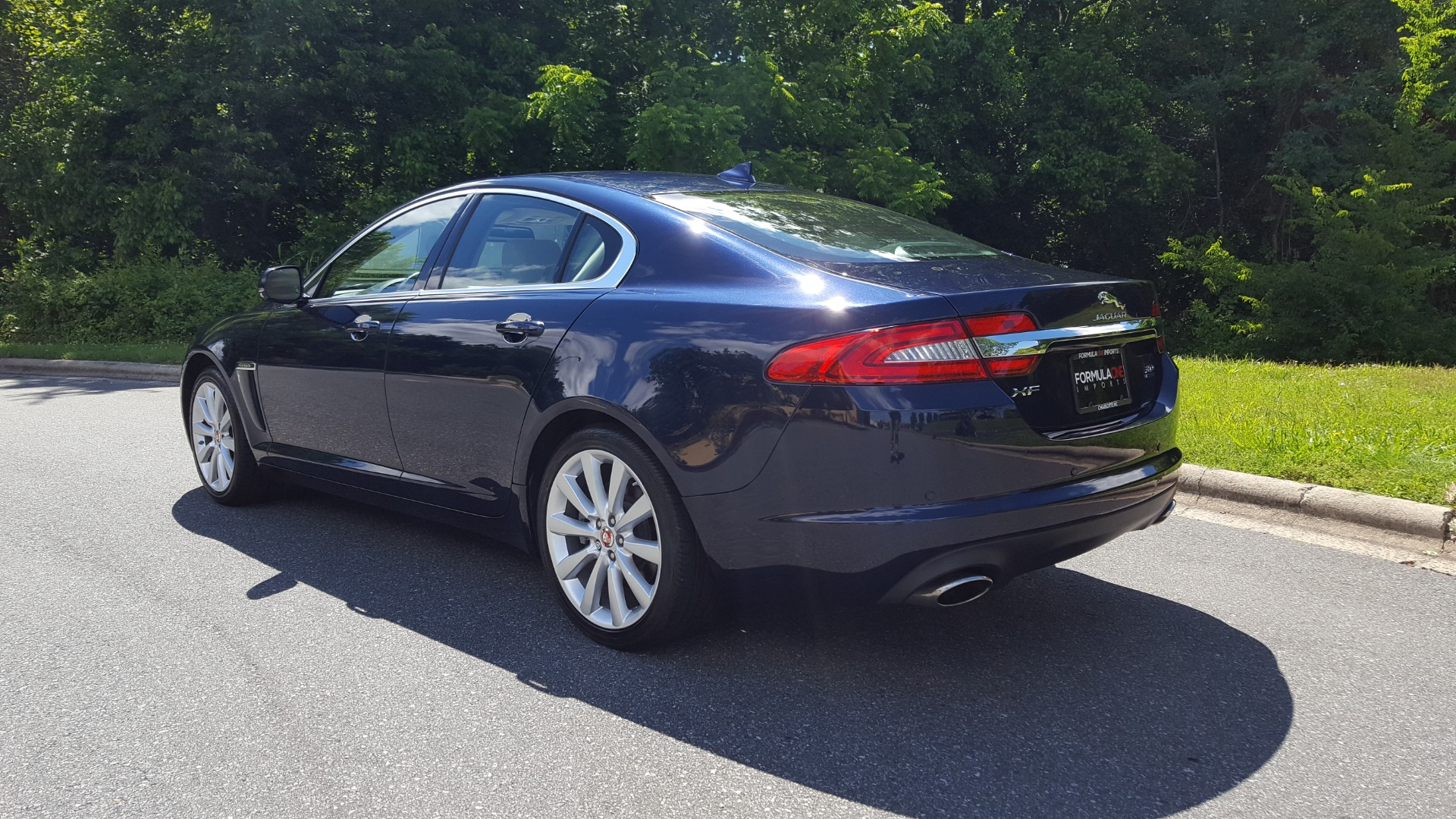 Used 2014 Jaguar XF V6 SC AWD PREMIUM / NAV / COLD CLIMATE PKG / VISION / REARVIEW for sale $18,995 at Formula Imports in Charlotte NC 28227 3