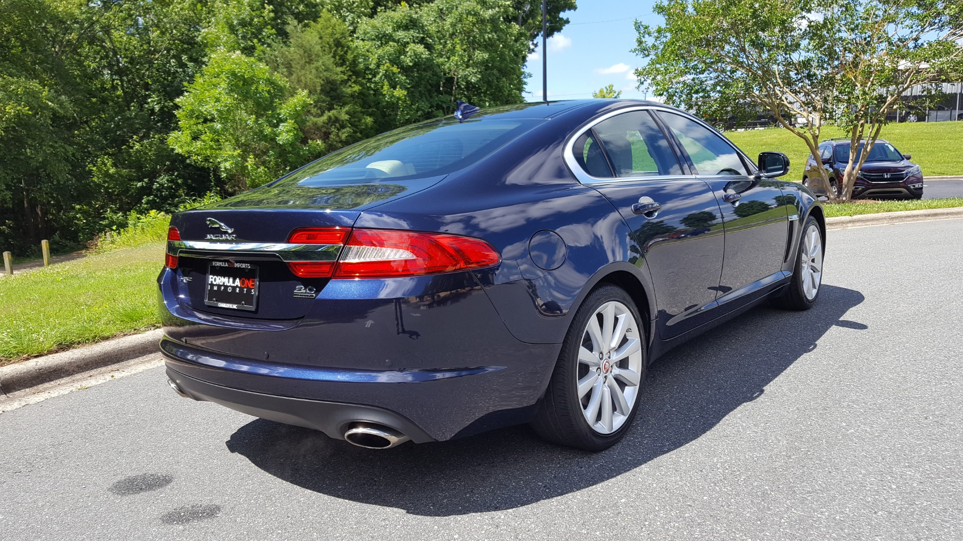 Used 2014 Jaguar XF V6 SC AWD PREMIUM / NAV / COLD CLIMATE PKG / VISION / REARVIEW for sale $18,995 at Formula Imports in Charlotte NC 28227 6