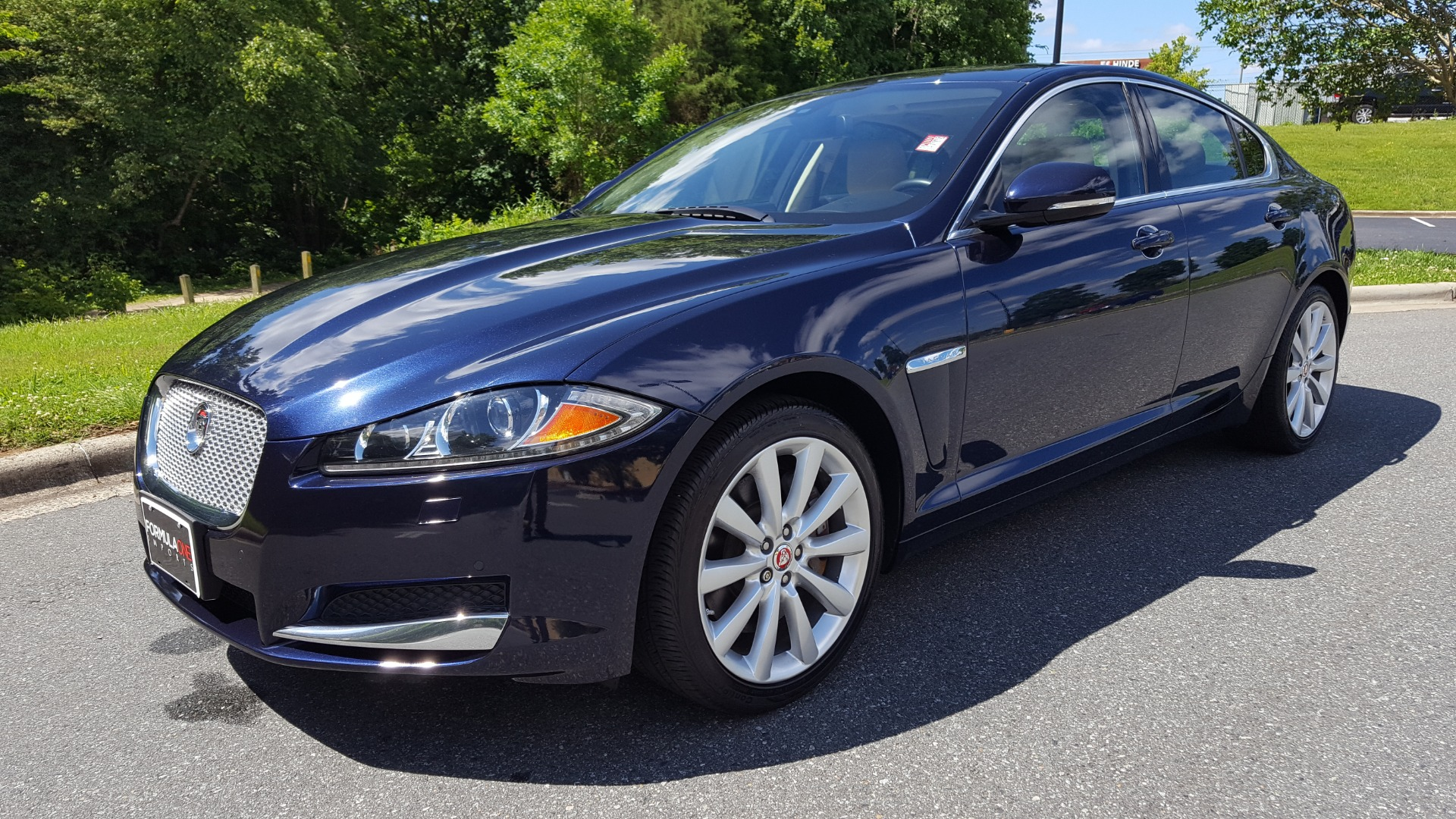 Used 2014 Jaguar XF V6 SC AWD PREMIUM / NAV / COLD CLIMATE PKG / VISION / REARVIEW for sale $18,995 at Formula Imports in Charlotte NC 28227 1