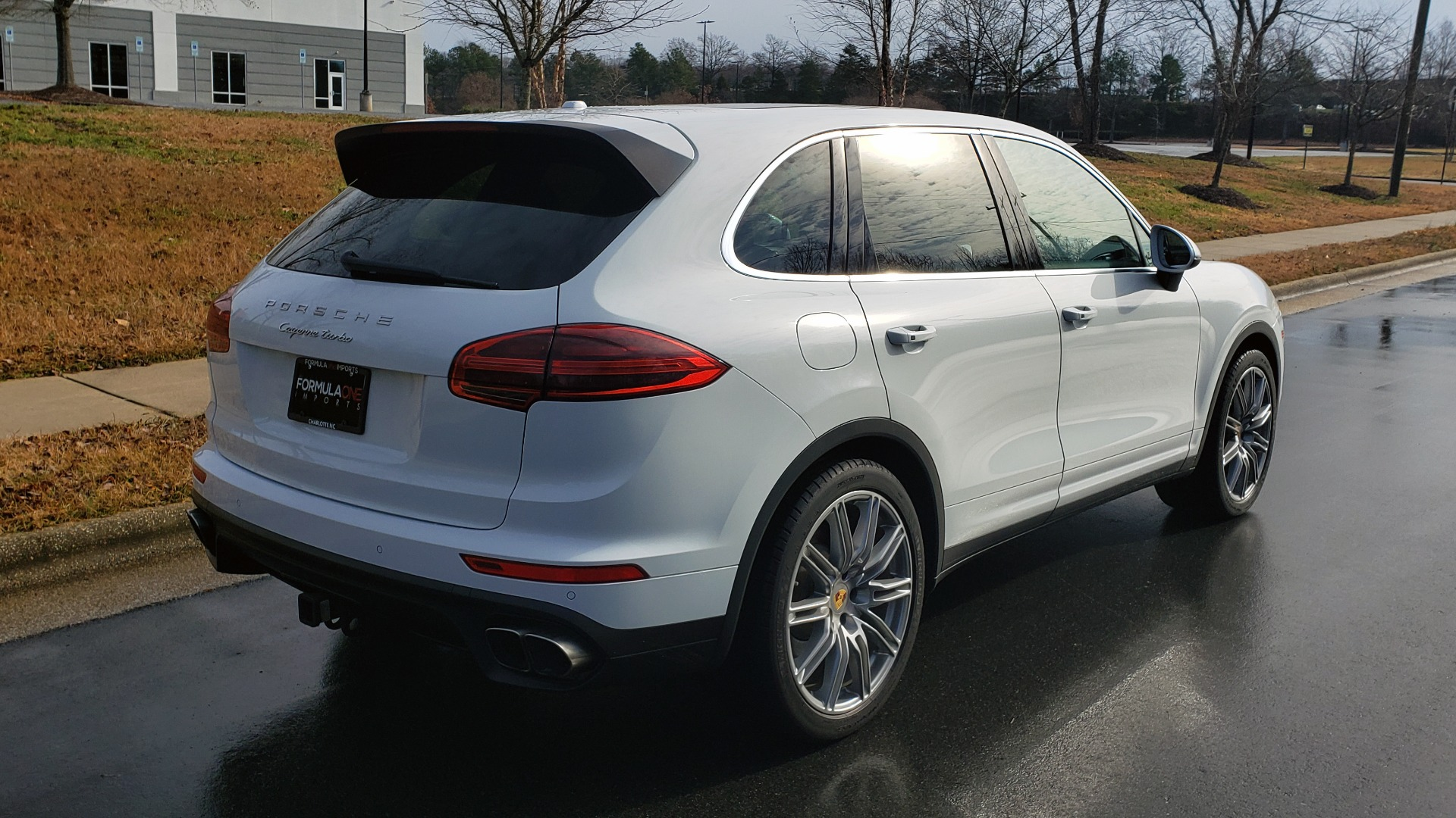 Used 2015 Porsche CAYENNE TURBO V8 / PREMIUM / NAV / SUNROOF / PARK ASSIST / LCA / REARVIEW for sale $47,995 at Formula Imports in Charlotte NC 28227 10