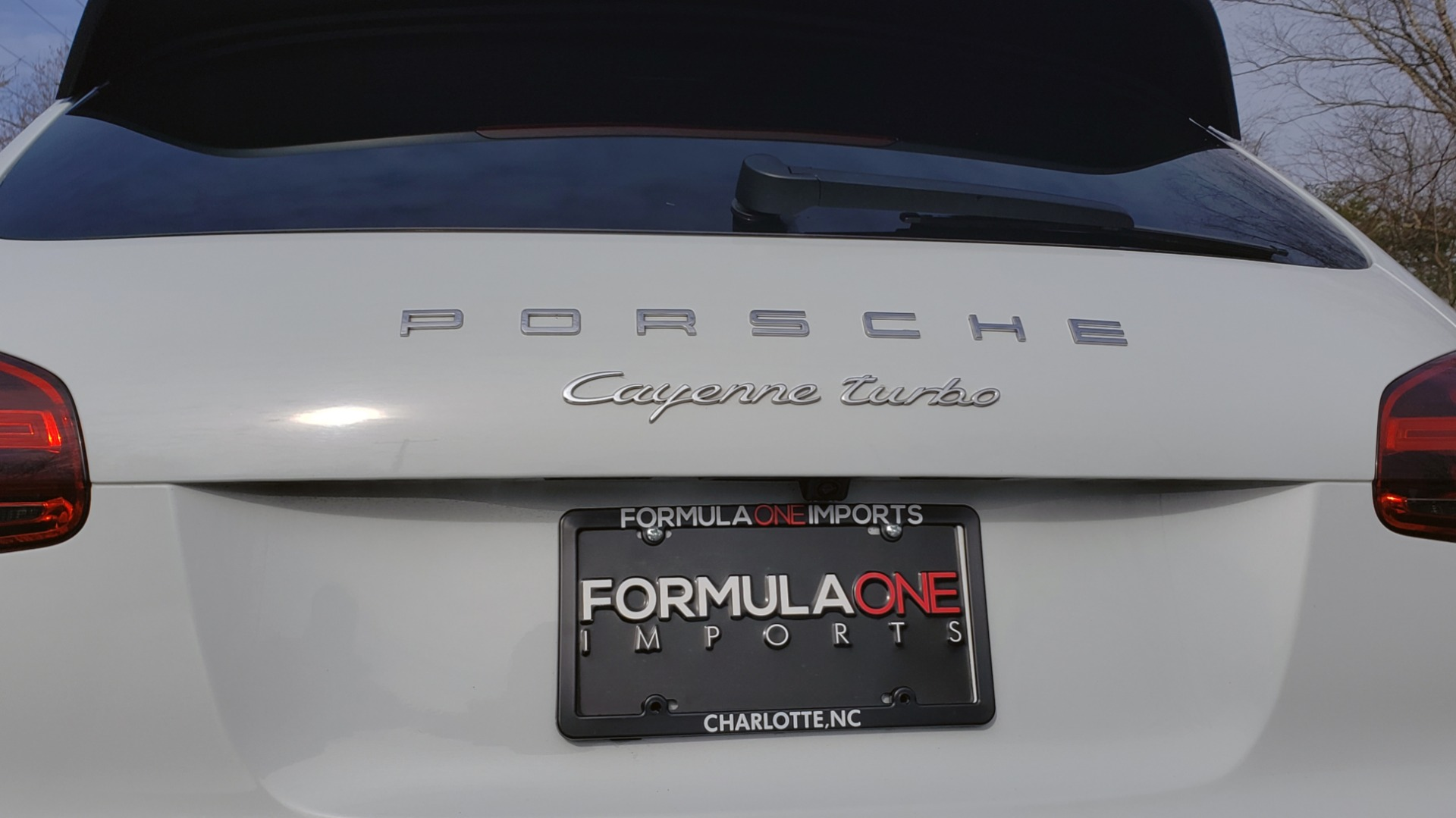 Used 2015 Porsche CAYENNE TURBO V8 / PREMIUM / NAV / SUNROOF / PARK ASSIST / LCA / REARVIEW for sale $47,995 at Formula Imports in Charlotte NC 28227 15