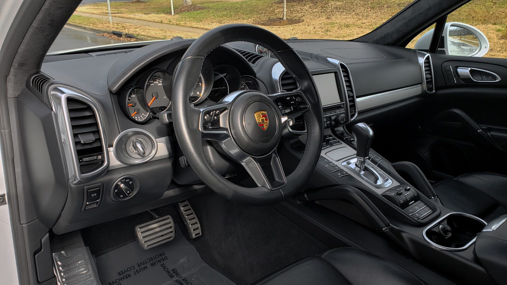 Used 2015 Porsche CAYENNE TURBO V8 / PREMIUM / NAV / SUNROOF / PARK ASSIST / LCA / REARVIEW for sale $47,995 at Formula Imports in Charlotte NC 28227 26
