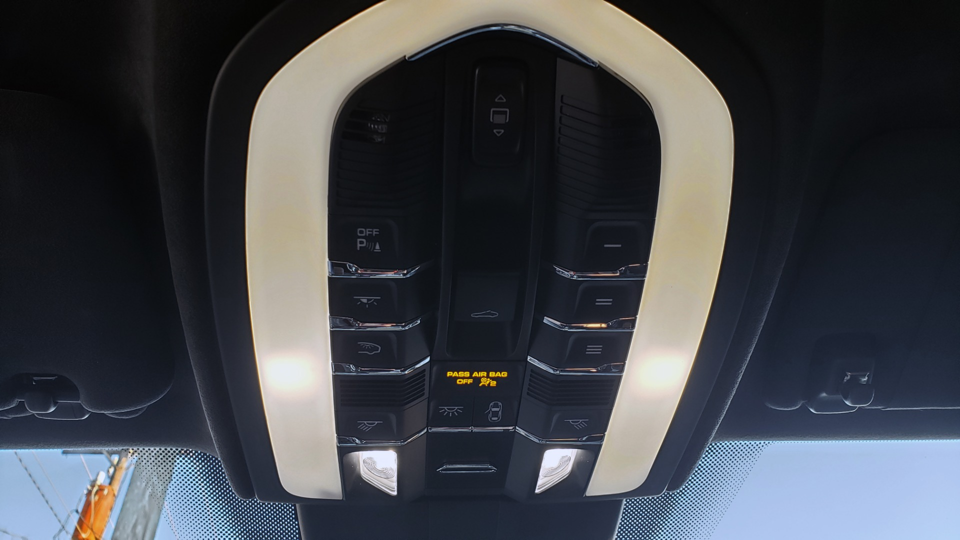 Used 2015 Porsche CAYENNE TURBO V8 / PREMIUM / NAV / SUNROOF / PARK ASSIST / LCA / REARVIEW for sale $47,995 at Formula Imports in Charlotte NC 28227 48