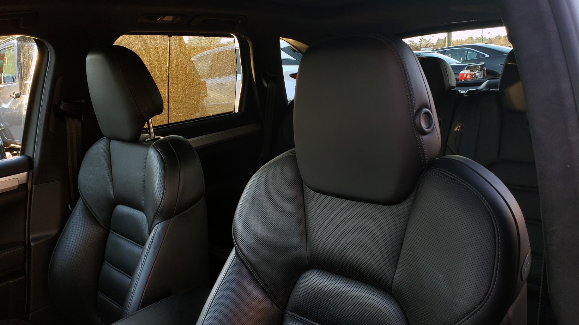 Used 2015 Porsche CAYENNE TURBO V8 / PREMIUM / NAV / SUNROOF / PARK ASSIST / LCA / REARVIEW for sale $47,995 at Formula Imports in Charlotte NC 28227 56