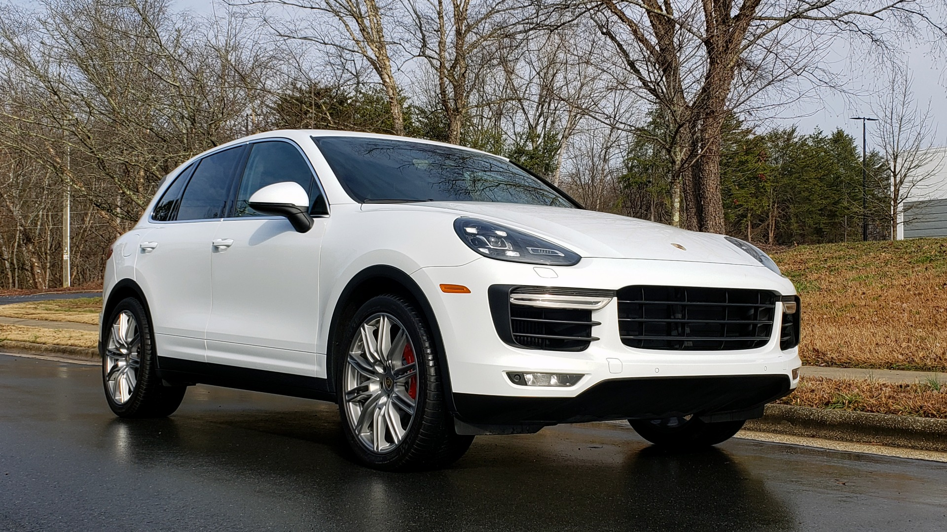 Used 2015 Porsche CAYENNE TURBO V8 / PREMIUM / NAV / SUNROOF / PARK ASSIST / LCA / REARVIEW for sale $47,995 at Formula Imports in Charlotte NC 28227 6