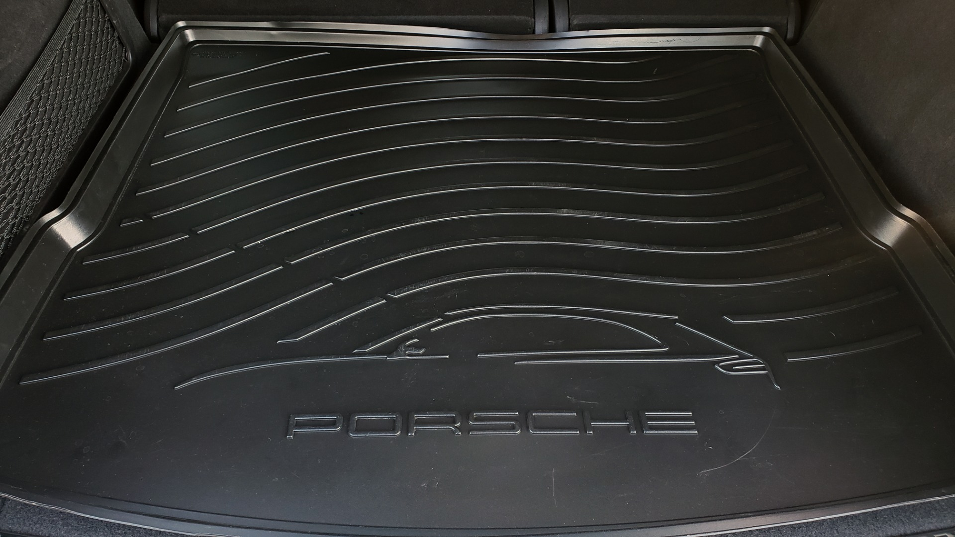 Used 2015 Porsche CAYENNE TURBO V8 / PREMIUM / NAV / SUNROOF / PARK ASSIST / LCA / REARVIEW for sale $47,995 at Formula Imports in Charlotte NC 28227 66