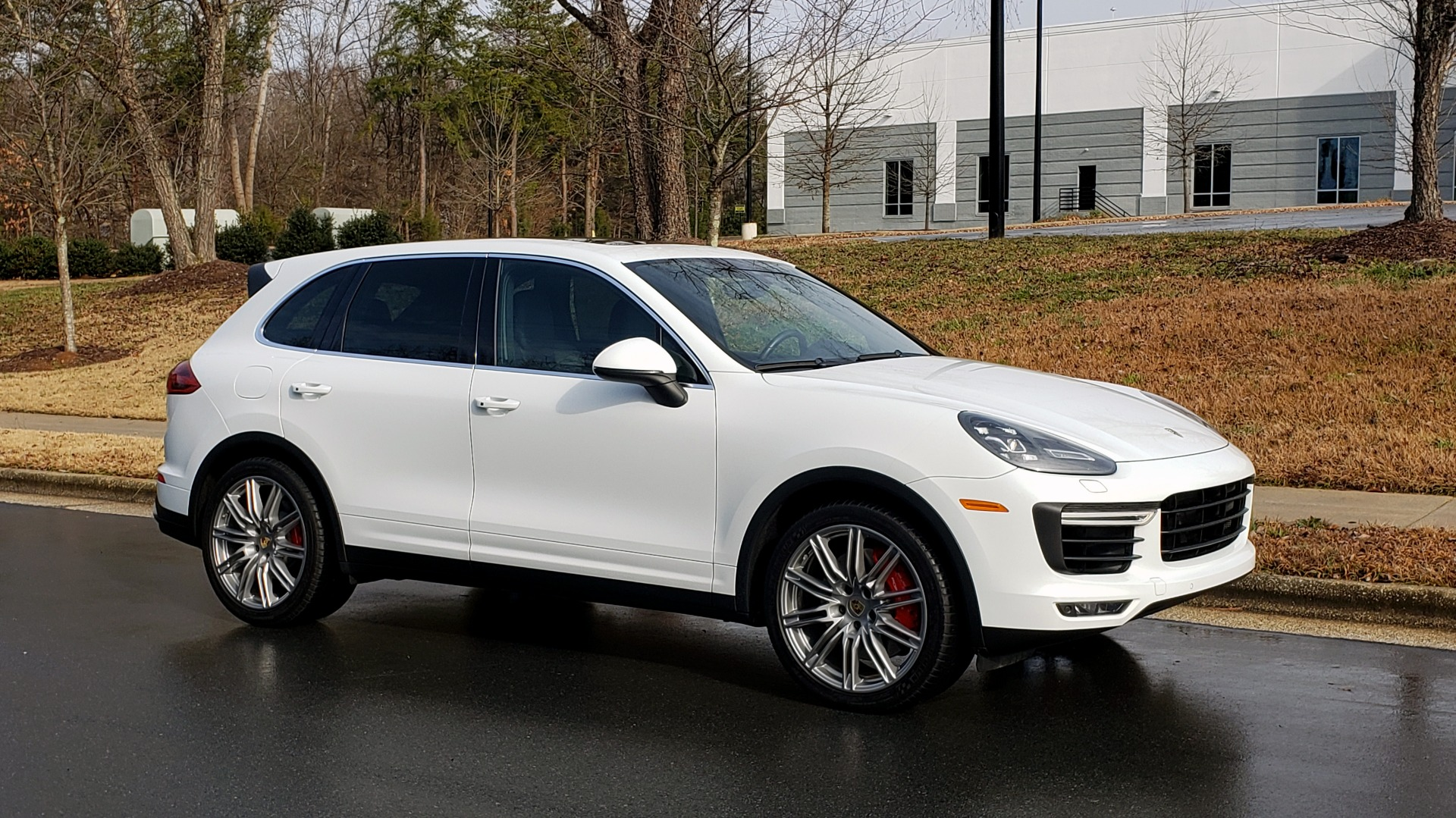 Used 2015 Porsche CAYENNE TURBO V8 / PREMIUM / NAV / SUNROOF / PARK ASSIST / LCA / REARVIEW for sale $47,995 at Formula Imports in Charlotte NC 28227 7