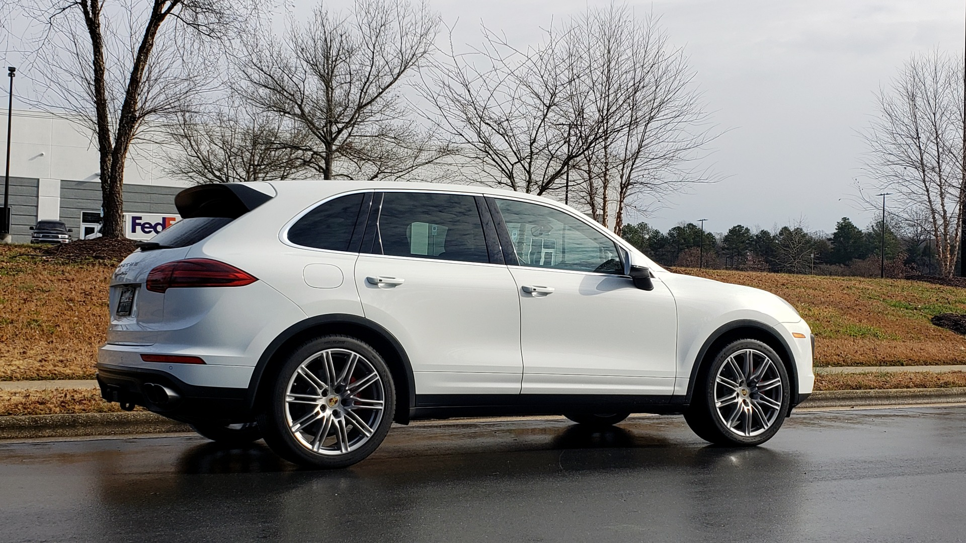 Used 2015 Porsche CAYENNE TURBO V8 / PREMIUM / NAV / SUNROOF / PARK ASSIST / LCA / REARVIEW for sale $47,995 at Formula Imports in Charlotte NC 28227 9
