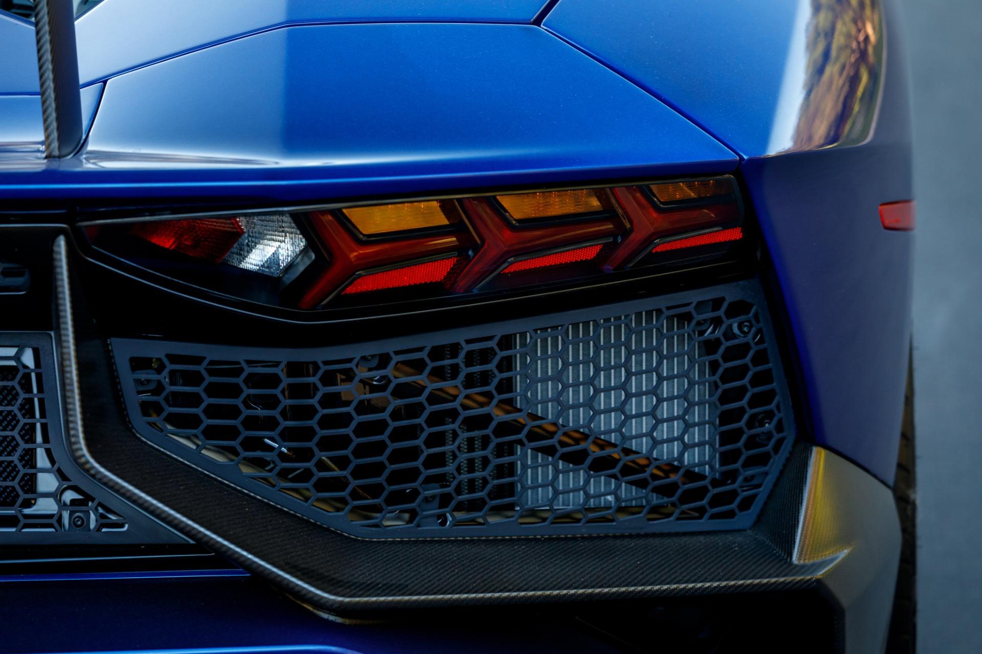 Used 2017 Lamborghini Aventador LP 750-4 SV / 740HP / AWD / 1930 MI / NAV / CAMERA for sale Sold at Formula Imports in Charlotte NC 28227 31