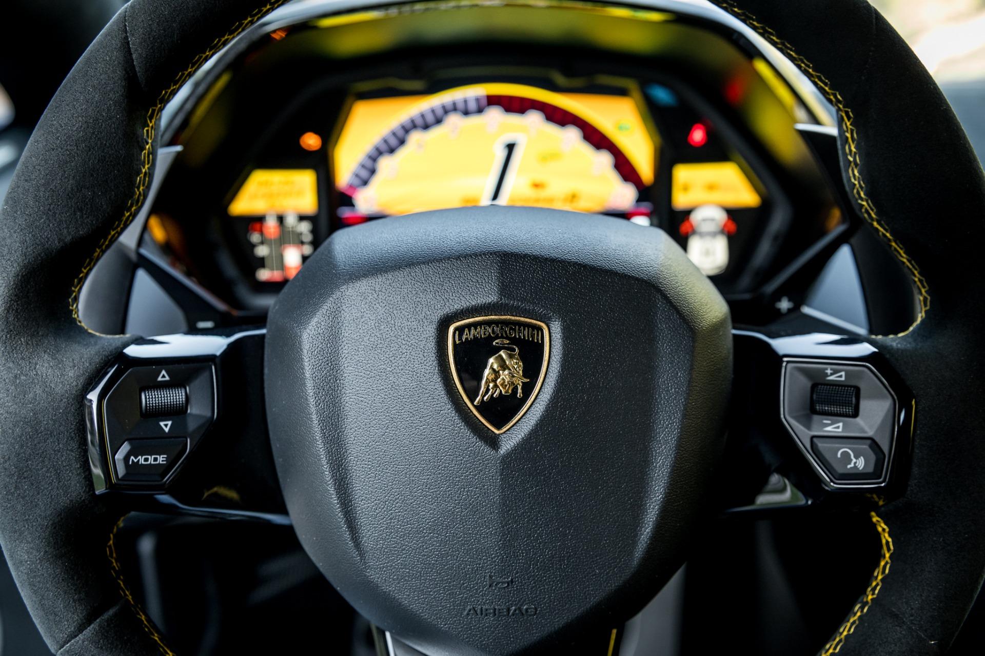 Used 2017 Lamborghini Aventador LP 750-4 SV / 740HP / AWD / 1930 MI / NAV / CAMERA for sale Sold at Formula Imports in Charlotte NC 28227 39