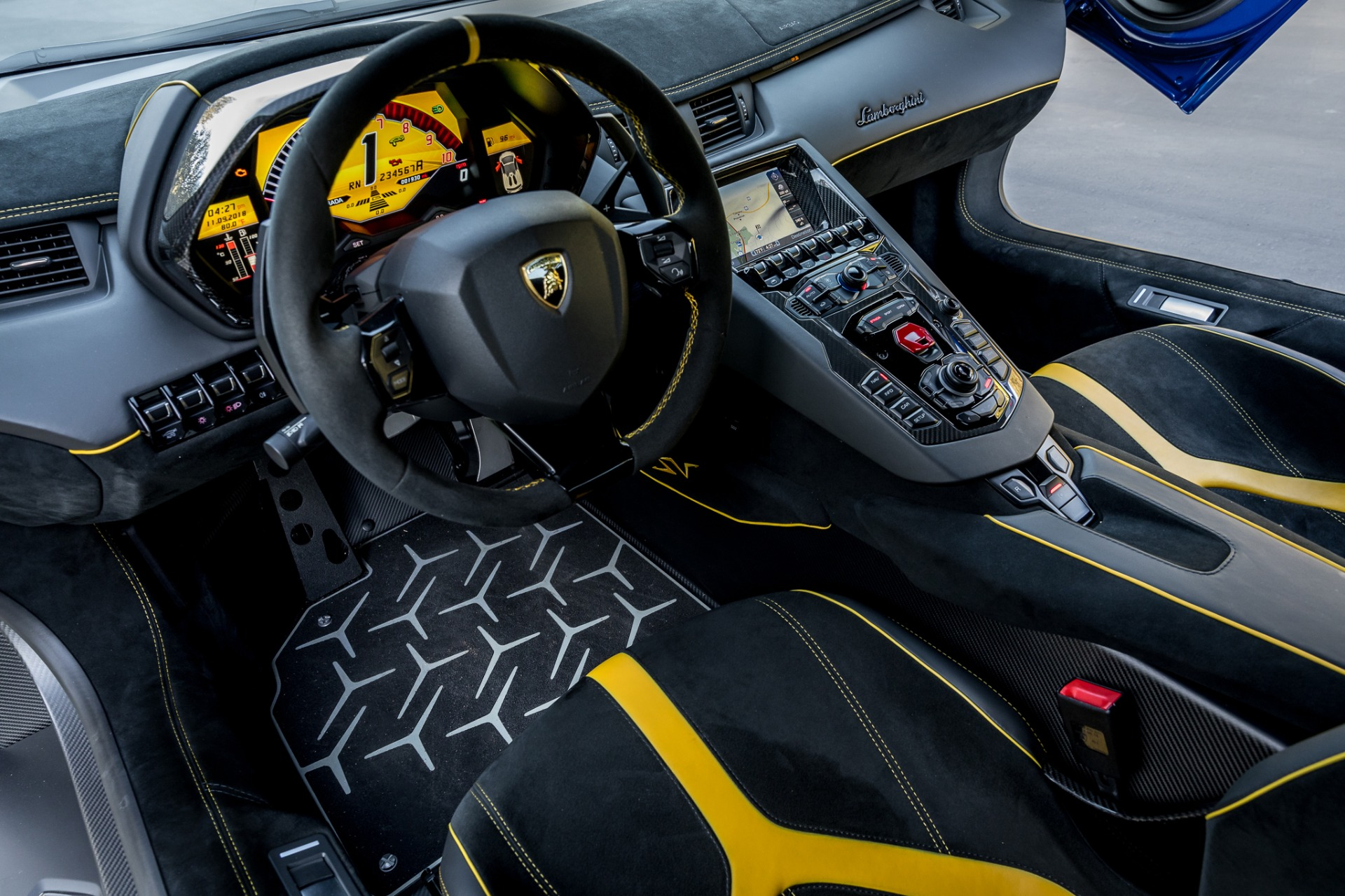 Used 2017 Lamborghini Aventador LP 750-4 SV / 740HP / AWD / 1930 MI / NAV / CAMERA for sale Sold at Formula Imports in Charlotte NC 28227 53
