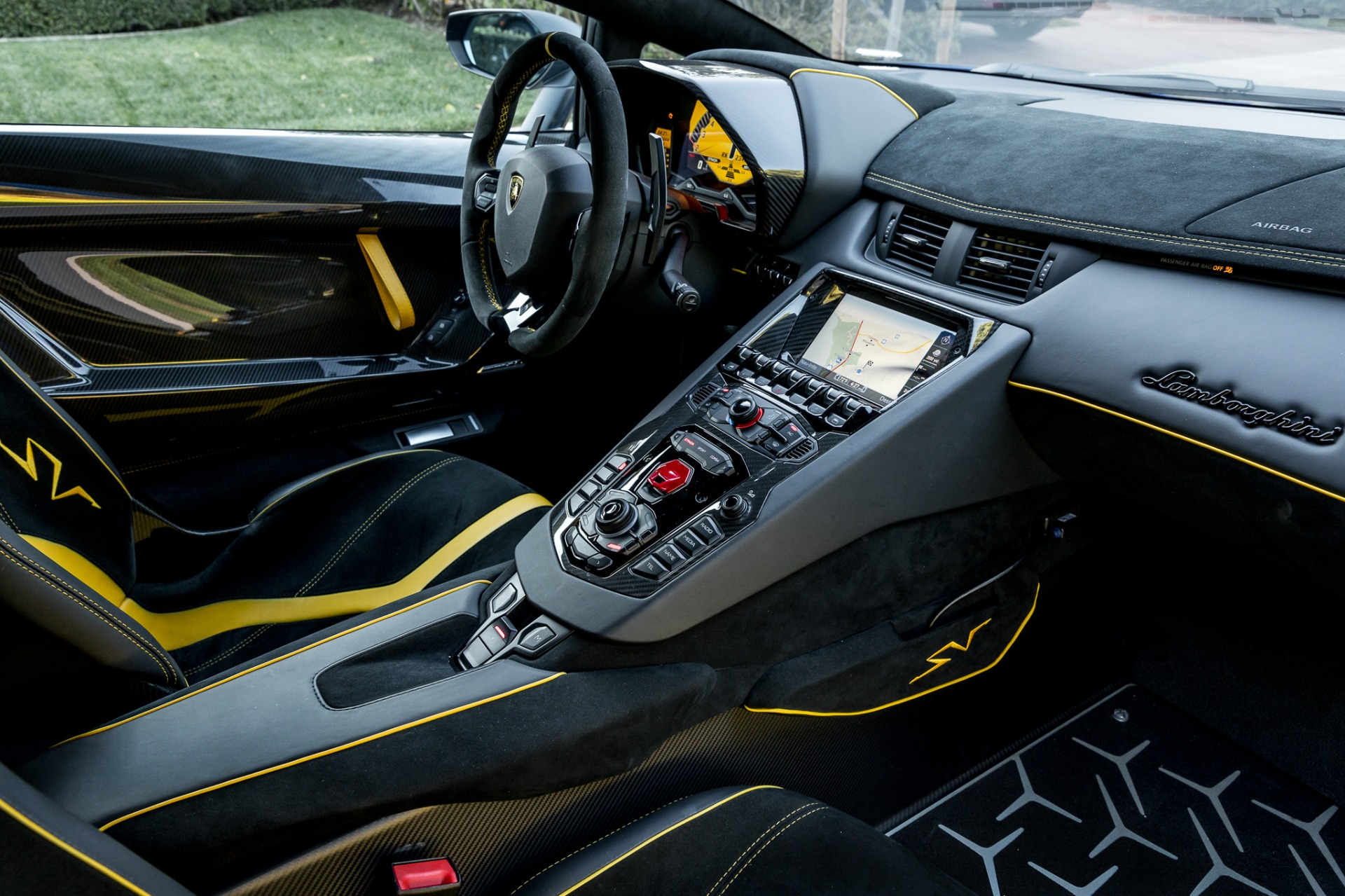 Used 2017 Lamborghini Aventador LP 750-4 SV / 740HP / AWD / 1930 MI / NAV / CAMERA for sale Sold at Formula Imports in Charlotte NC 28227 60