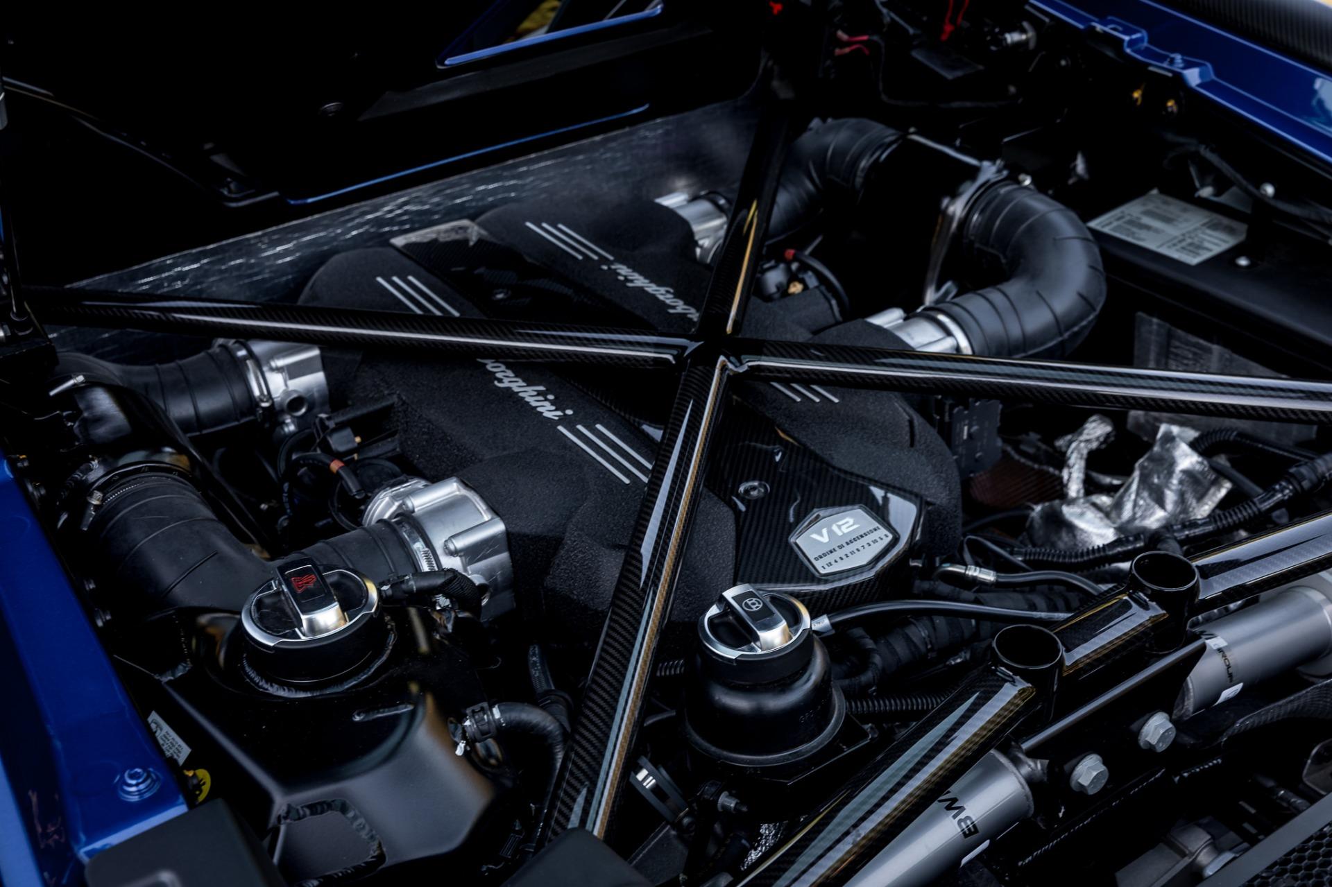 Used 2017 Lamborghini Aventador LP 750-4 SV / 740HP / AWD / 1930 MI / NAV / CAMERA for sale Sold at Formula Imports in Charlotte NC 28227 71