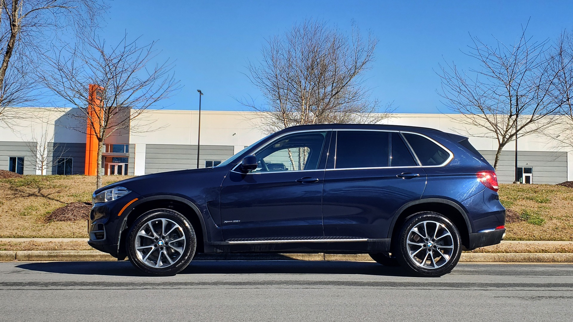 Used 2015 BMW X5 XDRIVE35I PREMIUM / NAV / XLINE / CLD WTHR / DRVR ASST / REARVIEW for sale Sold at Formula Imports in Charlotte NC 28227 3