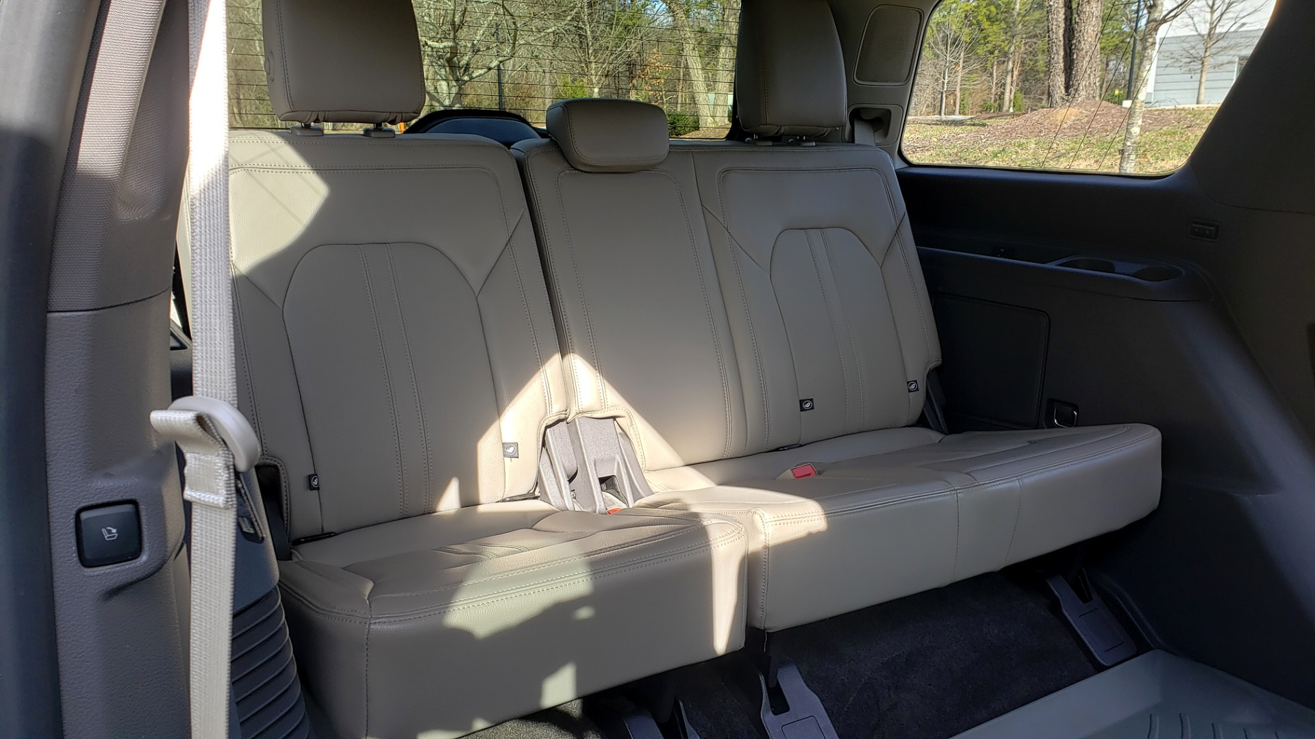 Used 2018 Ford EXPEDITION LIMITED 4X4 / NAV / PANO-ROOF / 3-ROW / DRVR ASST / REARVIEW for sale Sold at Formula Imports in Charlotte NC 28227 27