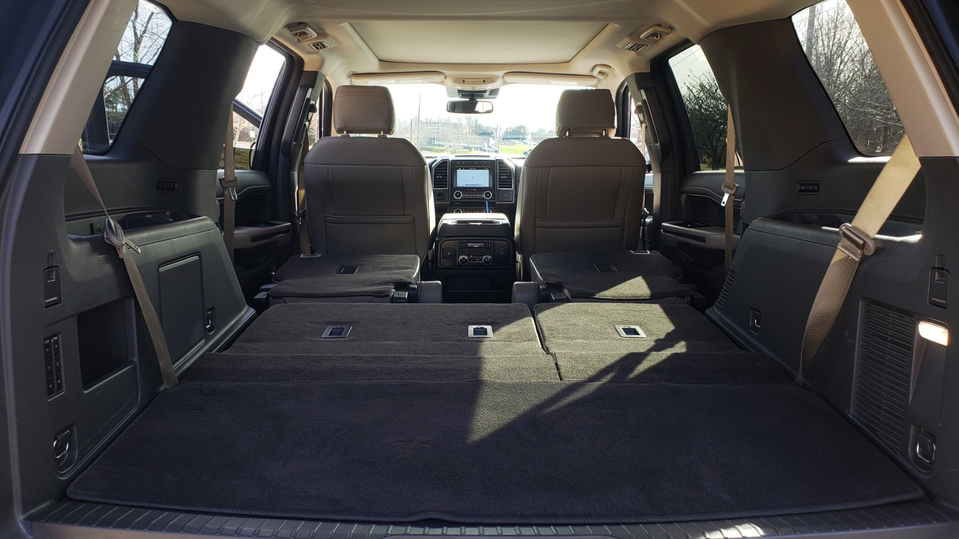 Used 2018 Ford EXPEDITION LIMITED 4X4 / NAV / PANO-ROOF / 3-ROW / DRVR ASST / REARVIEW for sale Sold at Formula Imports in Charlotte NC 28227 29