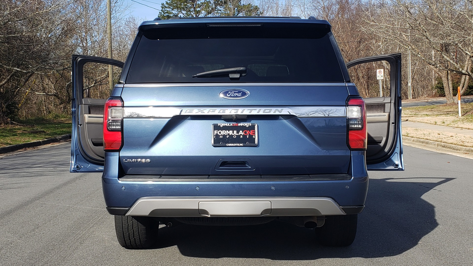 Used 2018 Ford EXPEDITION LIMITED 4X4 / NAV / PANO-ROOF / 3-ROW / DRVR ASST / REARVIEW for sale Sold at Formula Imports in Charlotte NC 28227 39