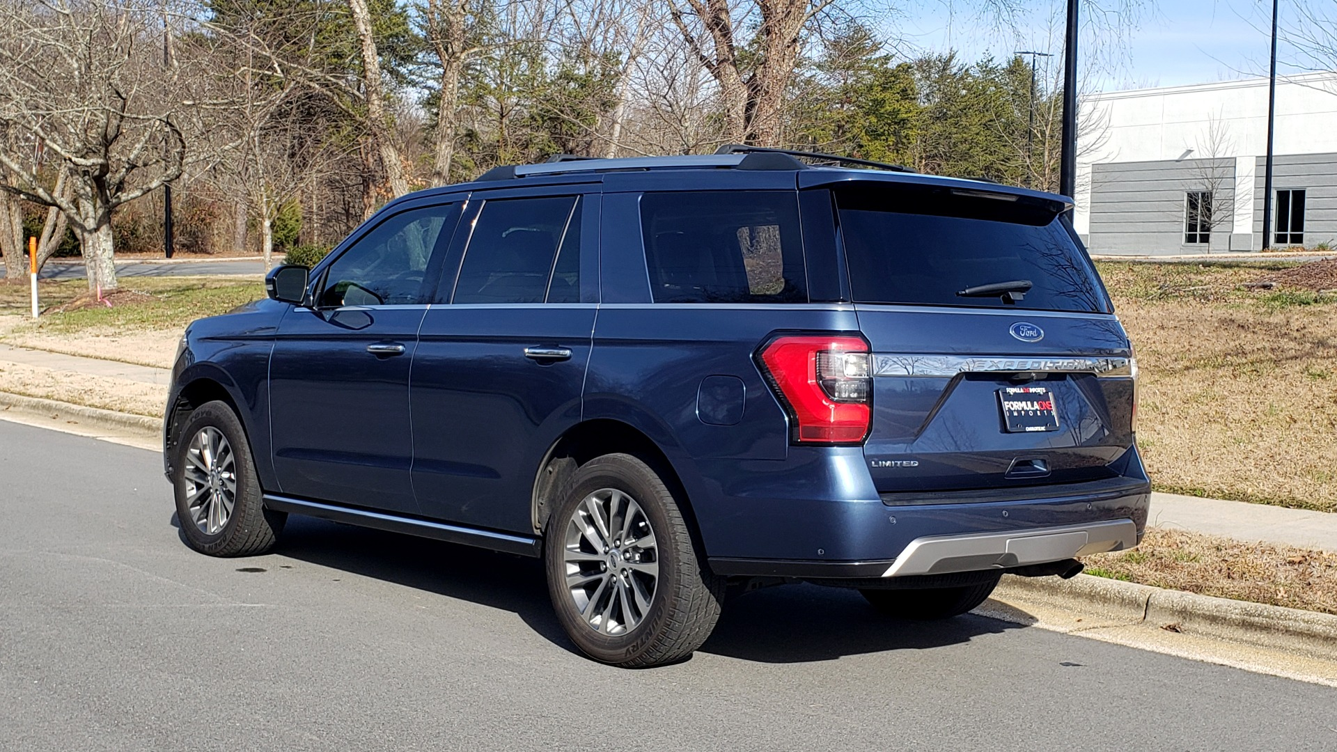 Used 2018 Ford EXPEDITION LIMITED 4X4 / NAV / PANO-ROOF / 3-ROW / DRVR ASST / REARVIEW for sale Sold at Formula Imports in Charlotte NC 28227 4