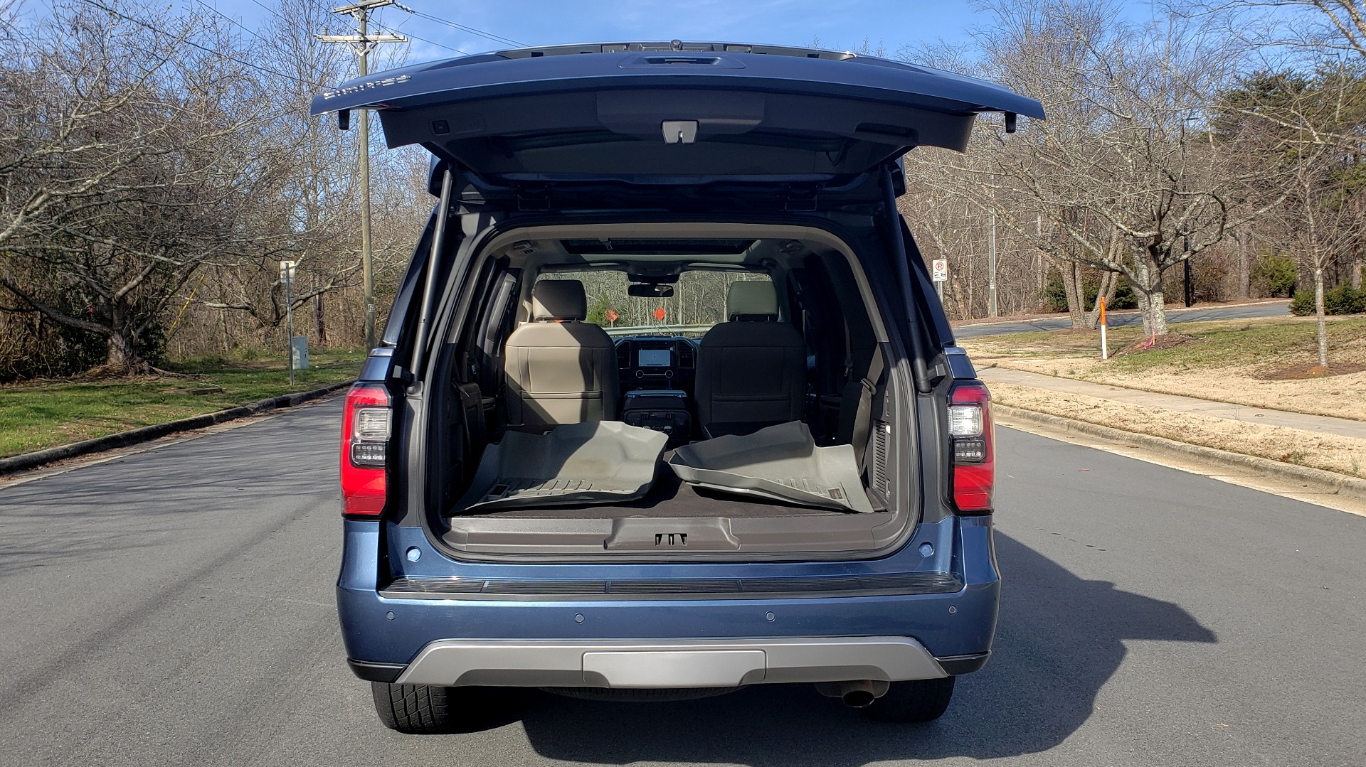 Used 2018 Ford EXPEDITION LIMITED 4X4 / NAV / PANO-ROOF / 3-ROW / DRVR ASST / REARVIEW for sale Sold at Formula Imports in Charlotte NC 28227 44
