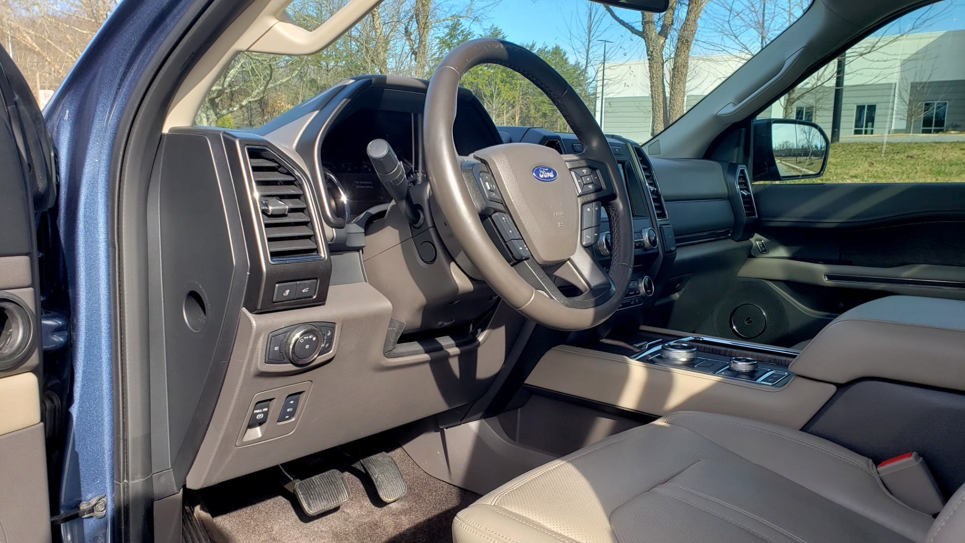 Used 2018 Ford EXPEDITION LIMITED 4X4 / NAV / PANO-ROOF / 3-ROW / DRVR ASST / REARVIEW for sale Sold at Formula Imports in Charlotte NC 28227 53