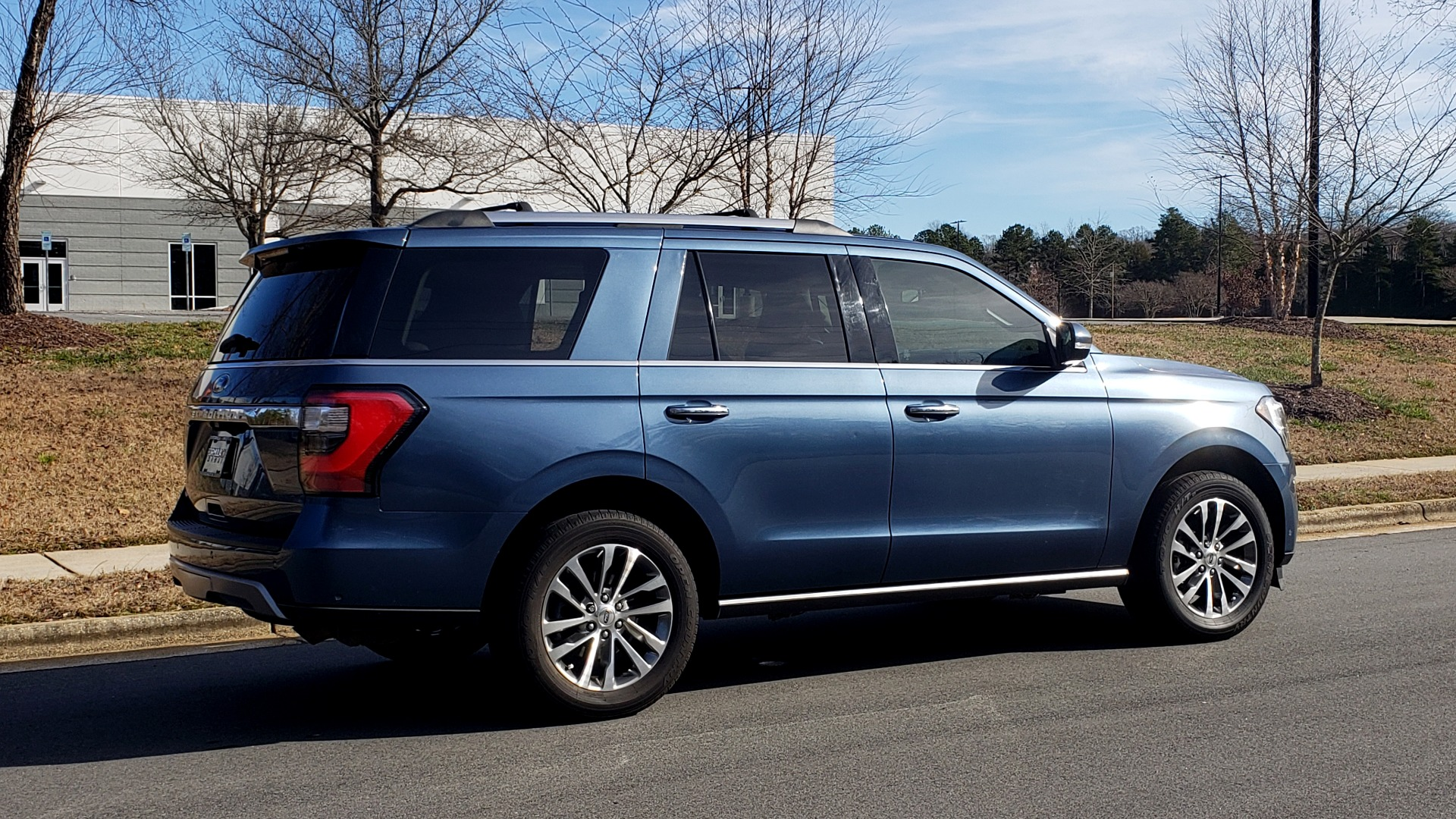 Used 2018 Ford EXPEDITION LIMITED 4X4 / NAV / PANO-ROOF / 3-ROW / DRVR ASST / REARVIEW for sale Sold at Formula Imports in Charlotte NC 28227 7
