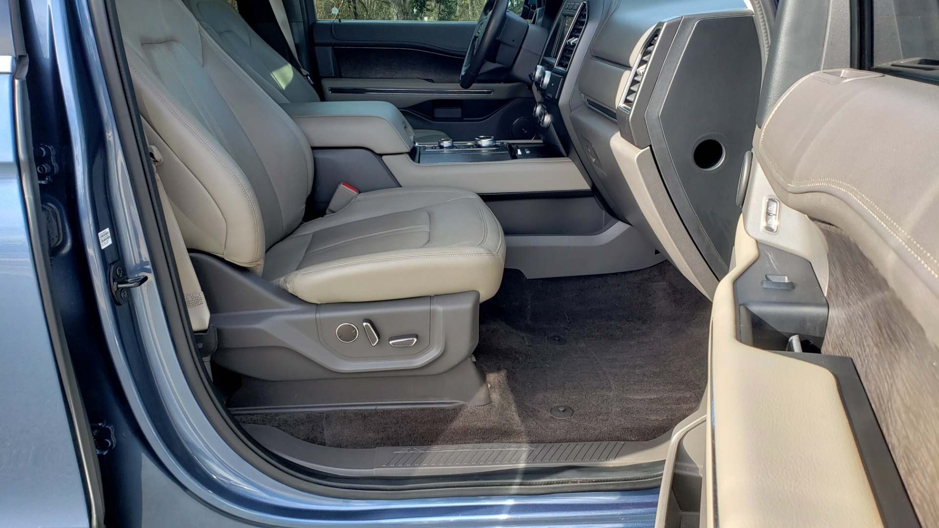 Used 2018 Ford EXPEDITION LIMITED 4X4 / NAV / PANO-ROOF / 3-ROW / DRVR ASST / REARVIEW for sale Sold at Formula Imports in Charlotte NC 28227 84