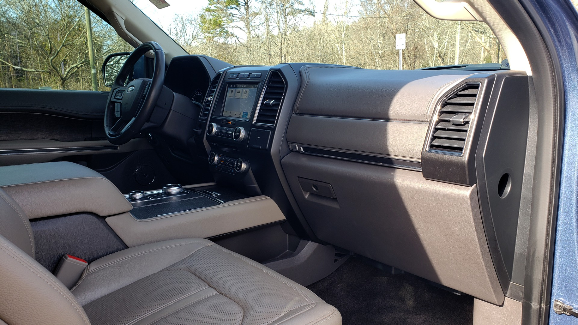 Used 2018 Ford EXPEDITION LIMITED 4X4 / NAV / PANO-ROOF / 3-ROW / DRVR ASST / REARVIEW for sale Sold at Formula Imports in Charlotte NC 28227 86