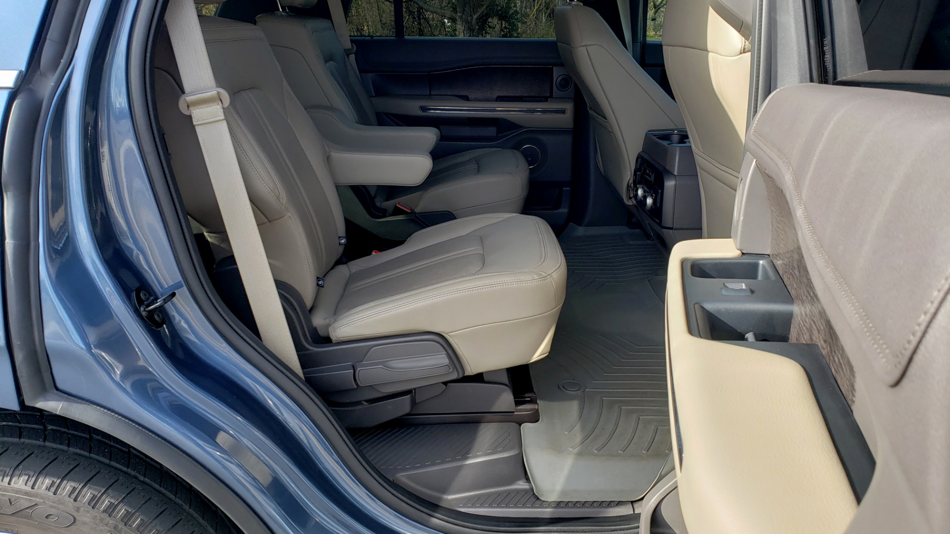 Used 2018 Ford EXPEDITION LIMITED 4X4 / NAV / PANO-ROOF / 3-ROW / DRVR ASST / REARVIEW for sale Sold at Formula Imports in Charlotte NC 28227 88