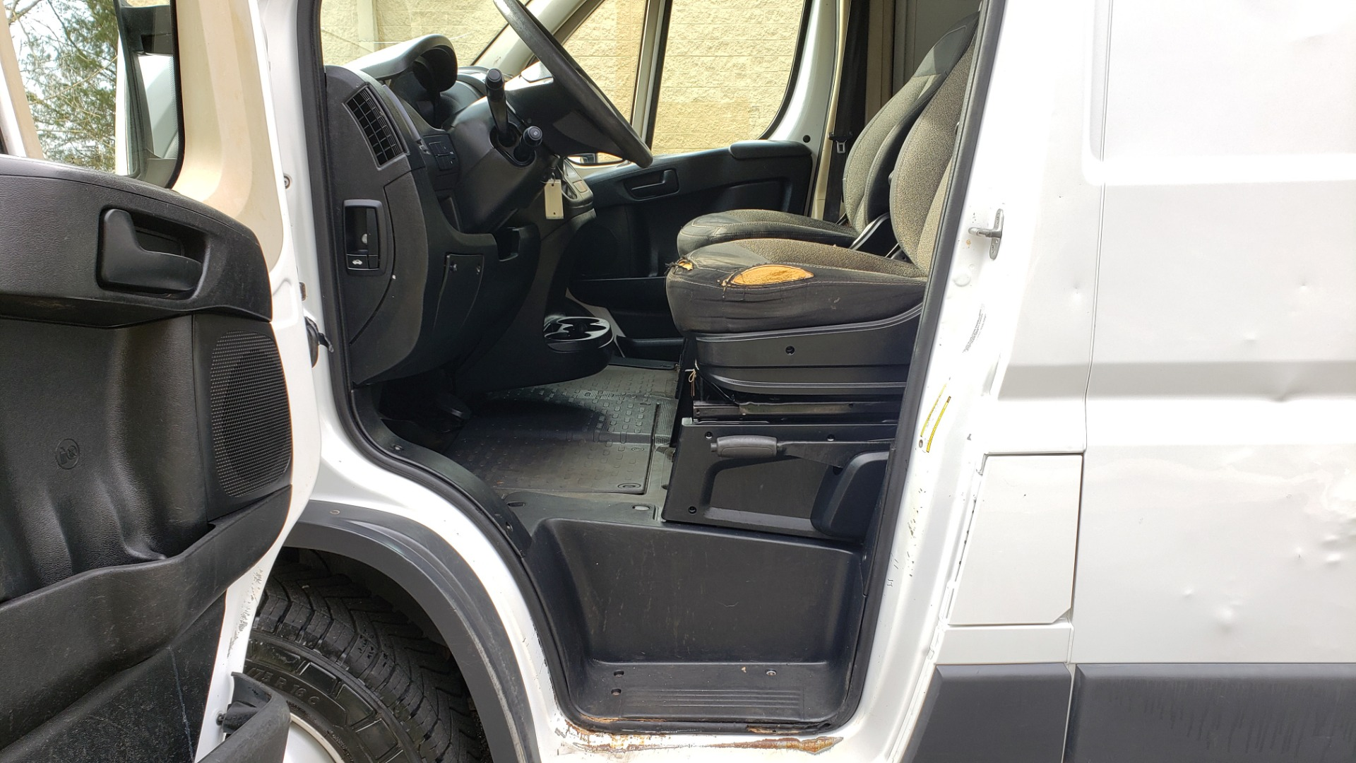 Used 2016 Ram PROMASTER CARGO VAN 136 WB / LOW ROOF / 3.6L V6 / 6-SPD AUTO / REARVIEW for sale $17,500 at Formula Imports in Charlotte NC 28227 24