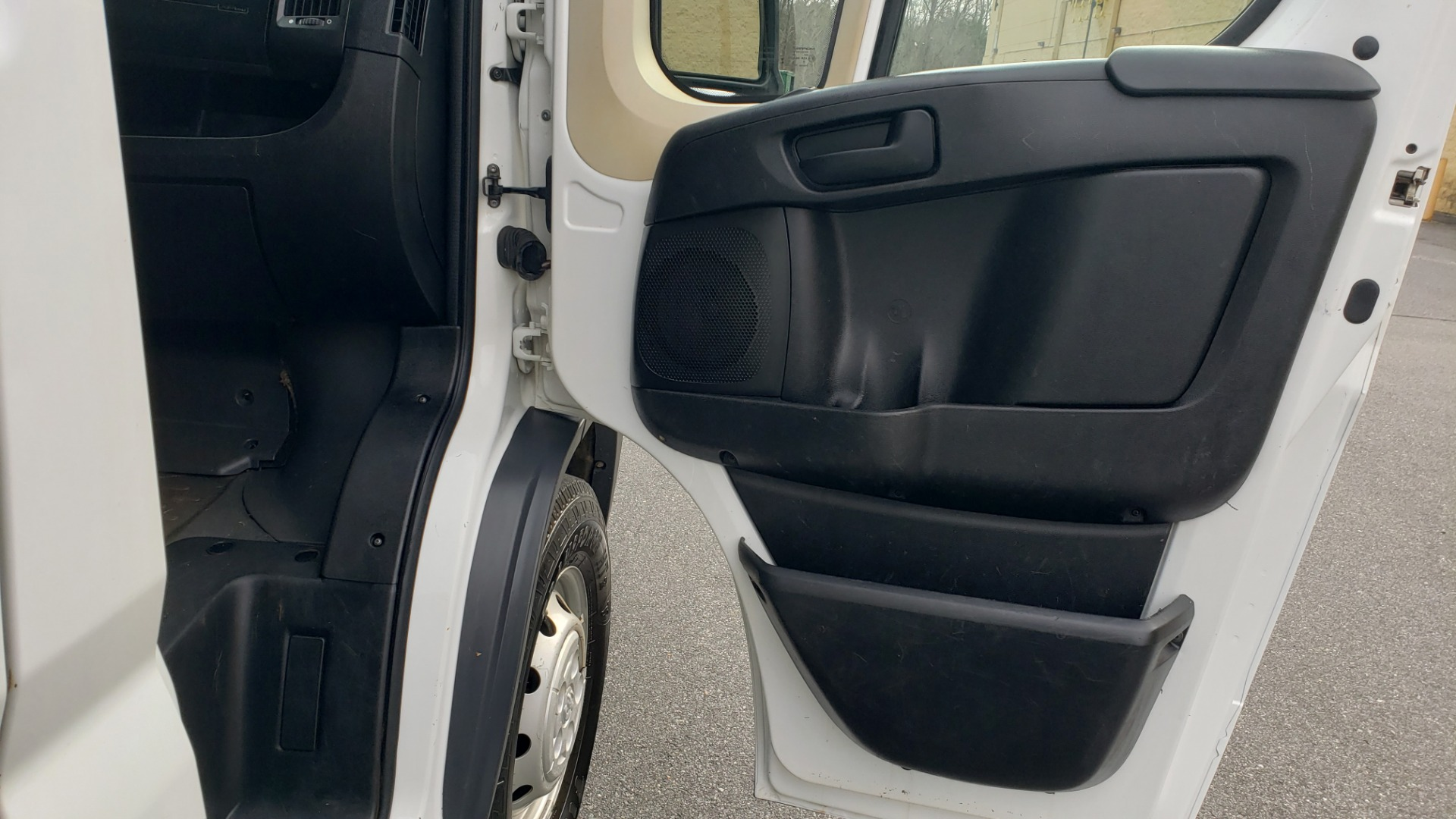 Used 2016 Ram PROMASTER CARGO VAN 136 WB / LOW ROOF / 3.6L V6 / 6-SPD AUTO / REARVIEW for sale $17,500 at Formula Imports in Charlotte NC 28227 35