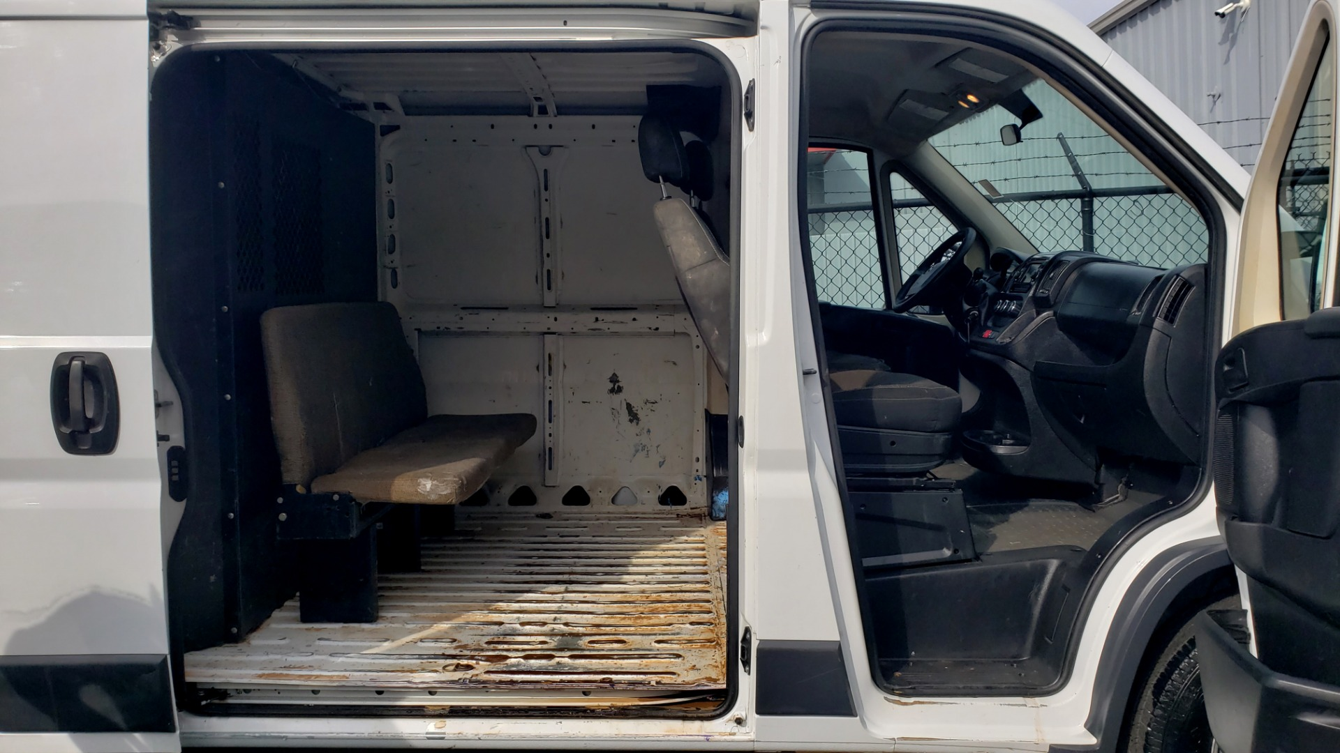 Used 2016 Ram PROMASTER CARGO VAN 136 WB / LOW ROOF / 3.6L V6 / 6-SPD AUTO / REARVIEW for sale $17,500 at Formula Imports in Charlotte NC 28227 7