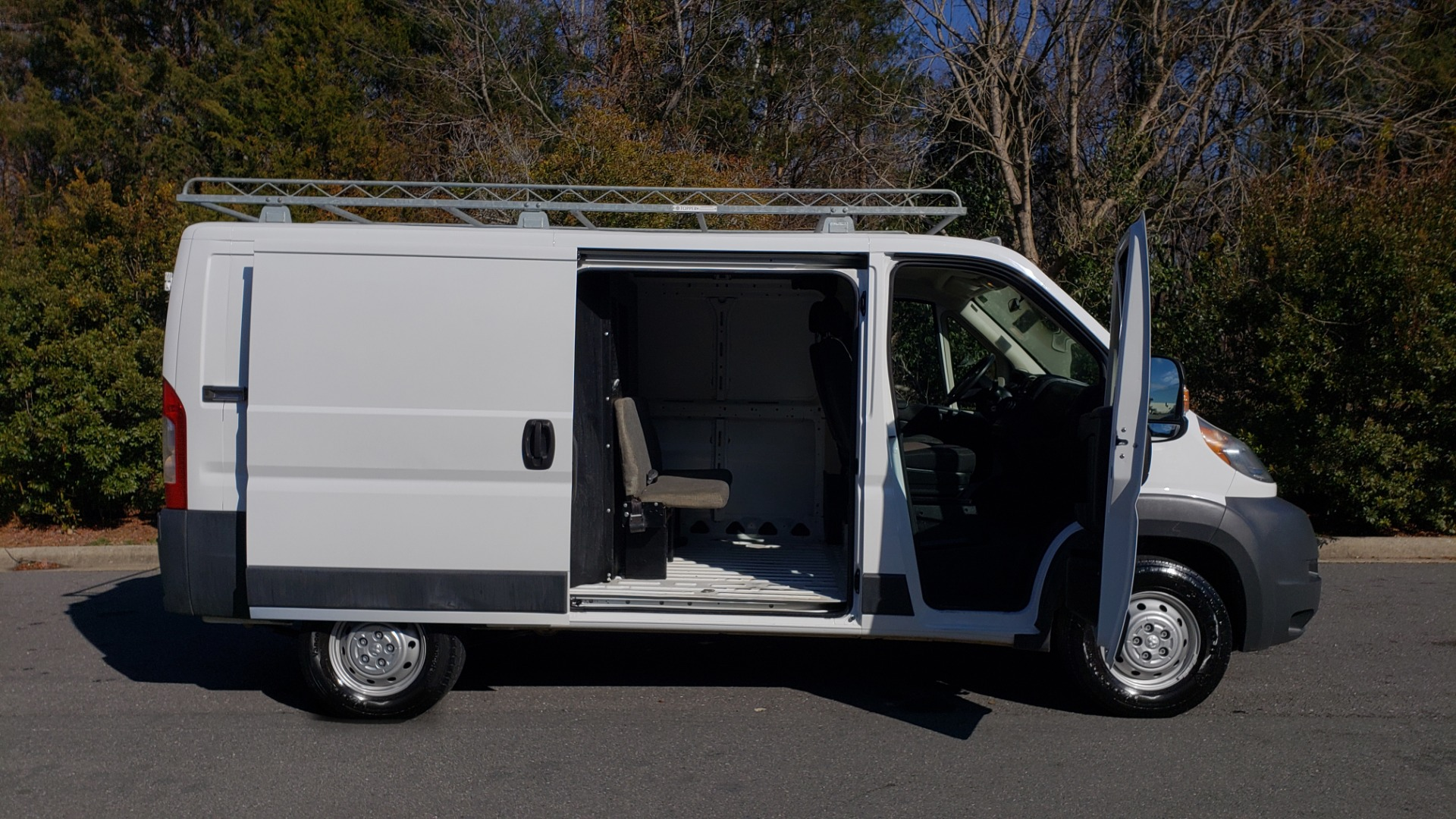 Used 2016 Ram PROMASTER CARGO VAN 136 WB / LOW ROOF / 3.6L V6 / 6-SPD AUTO / REARVIEW for sale $21,000 at Formula Imports in Charlotte NC 28227 12