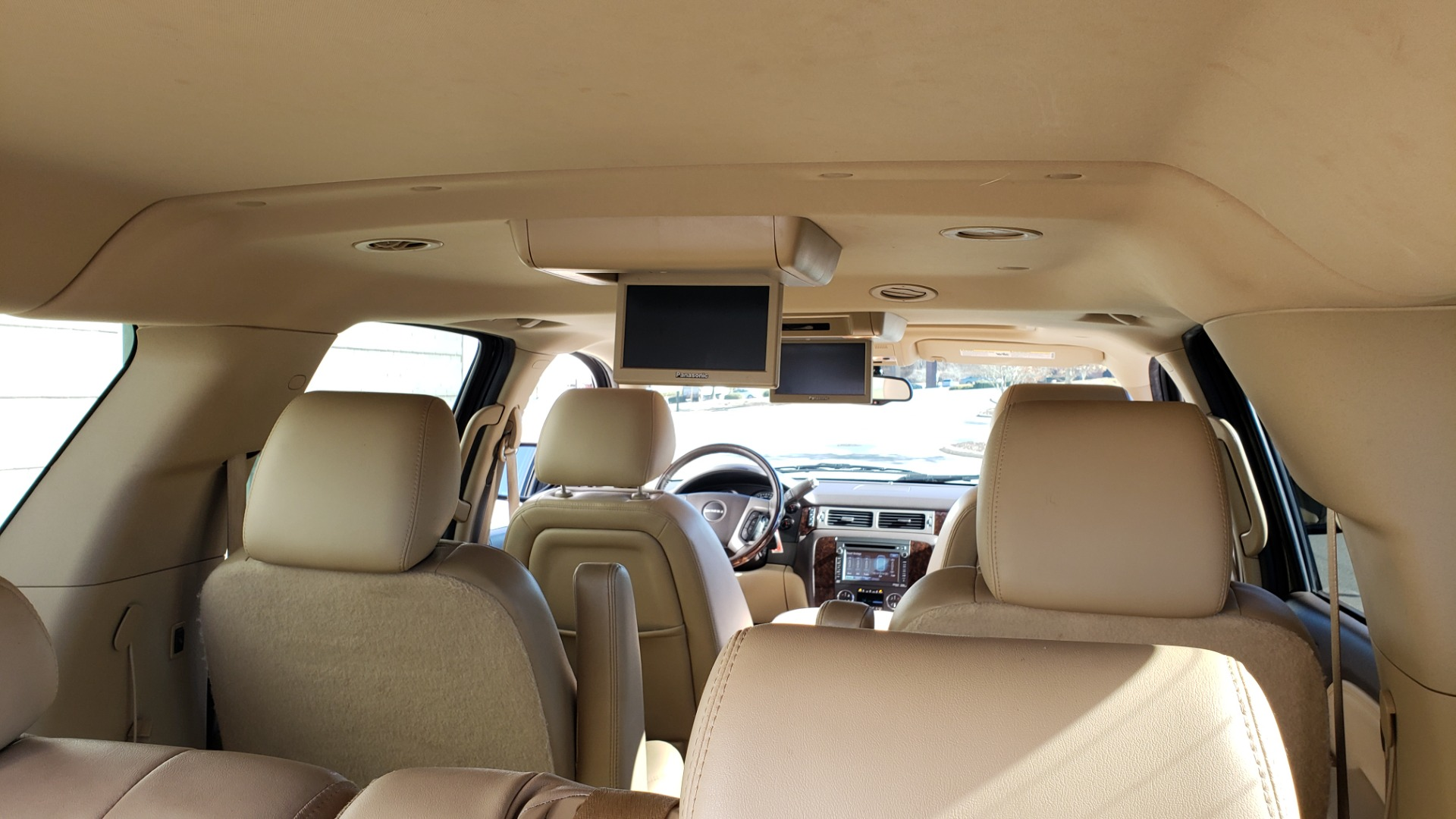 Used 2013 GMC YUKON XL DENALI / AWD / NAV / SUNROOF / 3-ROW / ENTERTAINMENT for sale Sold at Formula Imports in Charlotte NC 28227 17