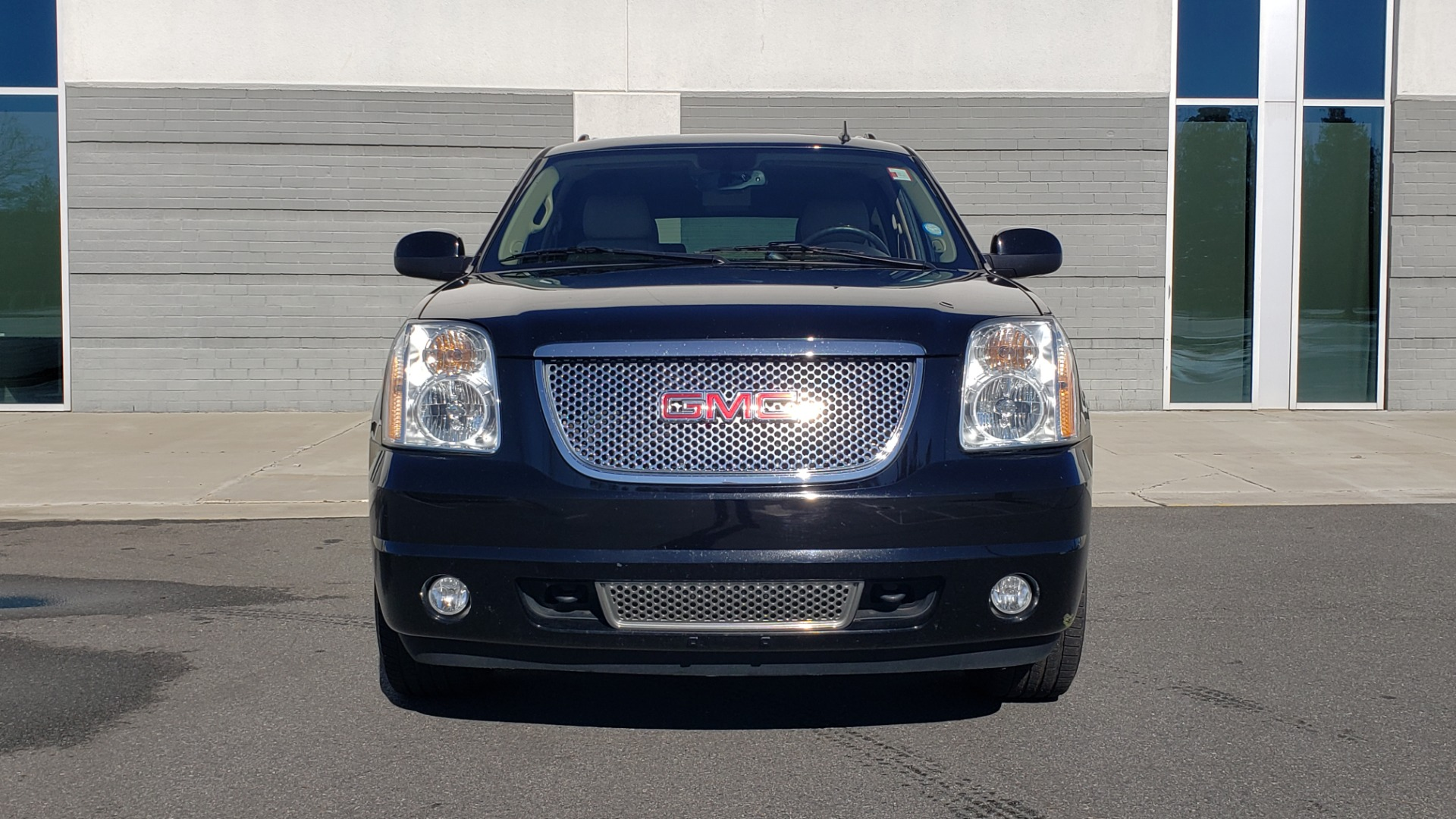 Used 2013 GMC YUKON XL DENALI / AWD / NAV / SUNROOF / 3-ROW / ENTERTAINMENT for sale Sold at Formula Imports in Charlotte NC 28227 19