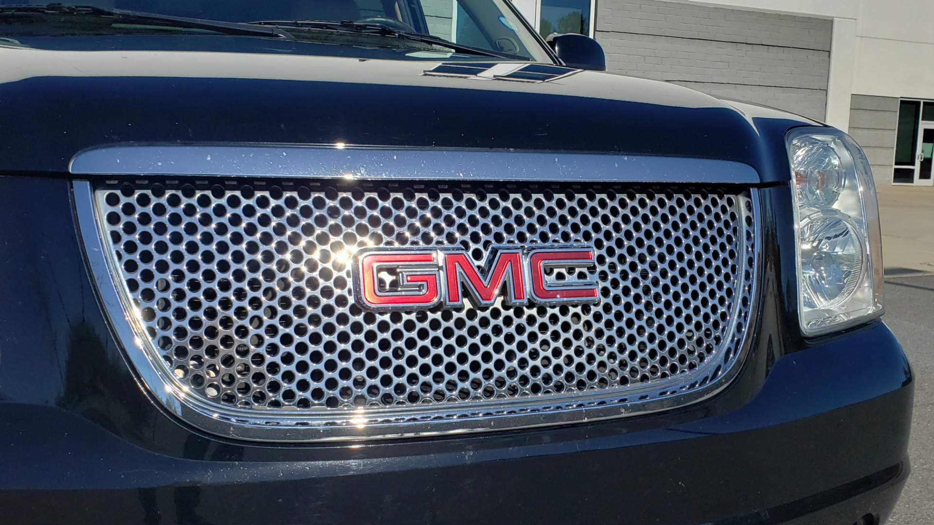 Used 2013 GMC YUKON XL DENALI / AWD / NAV / SUNROOF / 3-ROW / ENTERTAINMENT for sale Sold at Formula Imports in Charlotte NC 28227 22