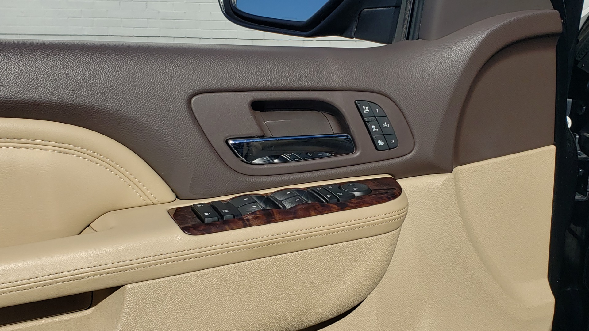 Used 2013 GMC YUKON XL DENALI / AWD / NAV / SUNROOF / 3-ROW / ENTERTAINMENT for sale Sold at Formula Imports in Charlotte NC 28227 32