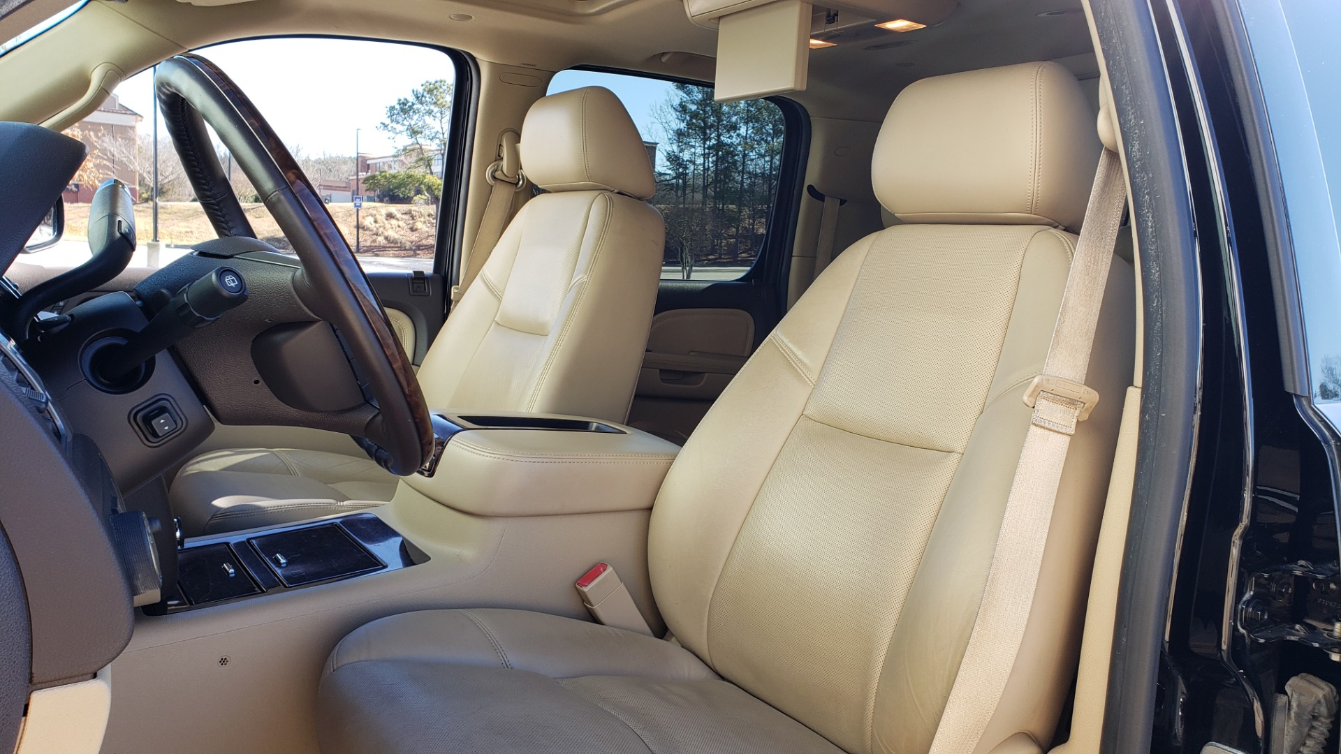 Used 2013 GMC YUKON XL DENALI / AWD / NAV / SUNROOF / 3-ROW / ENTERTAINMENT for sale Sold at Formula Imports in Charlotte NC 28227 35