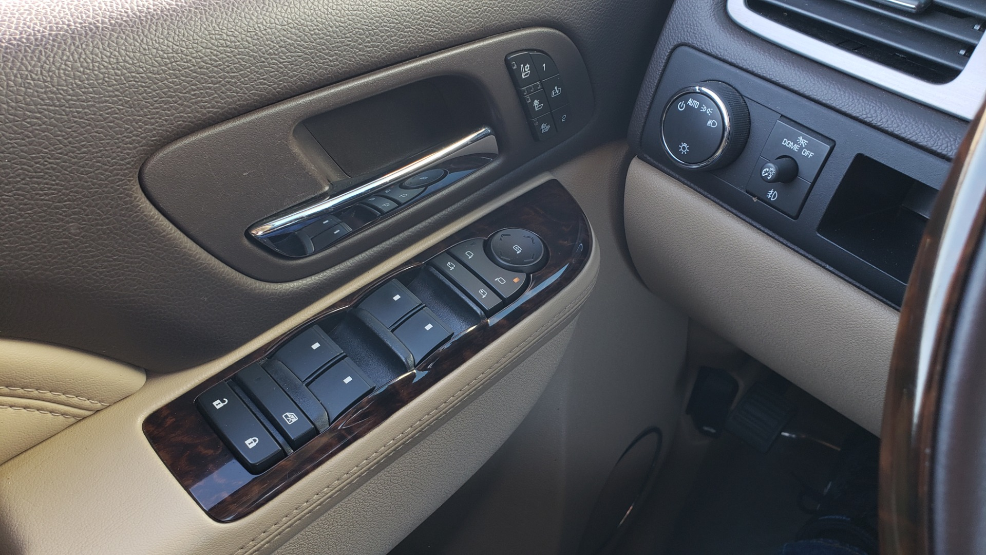 Used 2013 GMC YUKON XL DENALI / AWD / NAV / SUNROOF / 3-ROW / ENTERTAINMENT for sale Sold at Formula Imports in Charlotte NC 28227 39