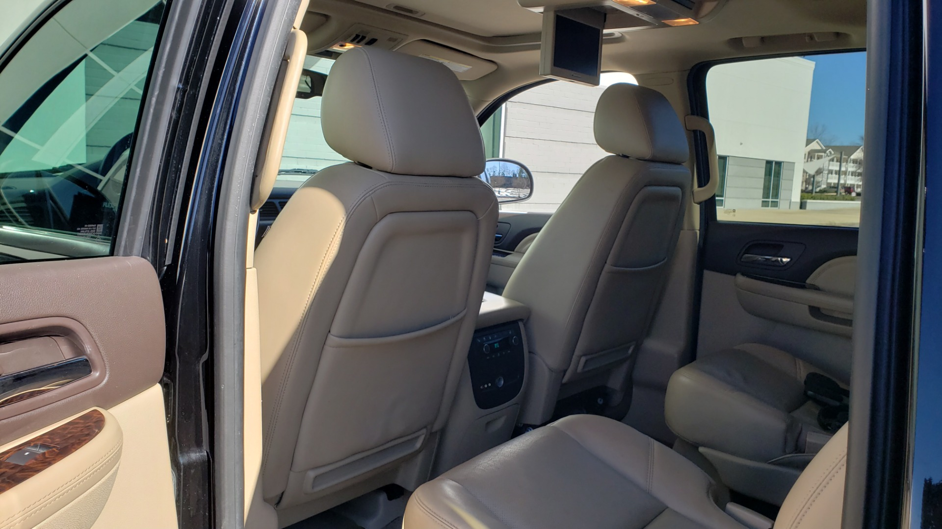 Used 2013 GMC YUKON XL DENALI / AWD / NAV / SUNROOF / 3-ROW / ENTERTAINMENT for sale Sold at Formula Imports in Charlotte NC 28227 59
