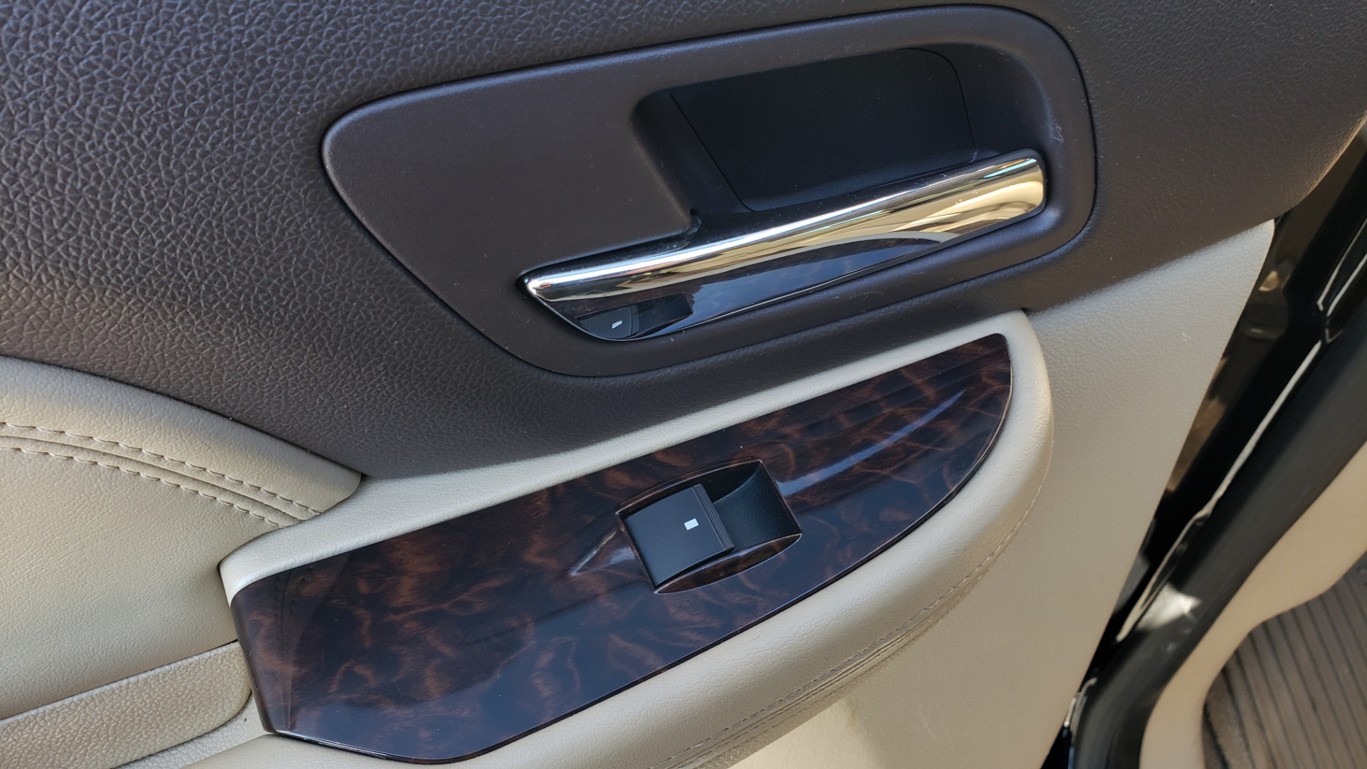 Used 2013 GMC YUKON XL DENALI / AWD / NAV / SUNROOF / 3-ROW / ENTERTAINMENT for sale Sold at Formula Imports in Charlotte NC 28227 60