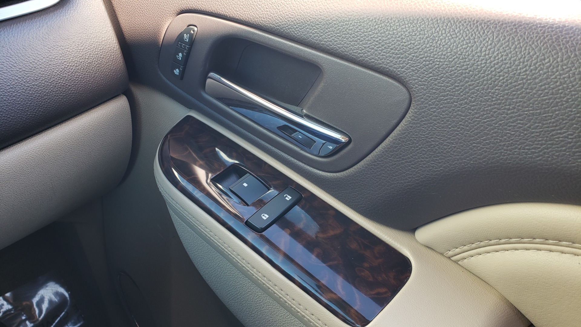Used 2013 GMC YUKON XL DENALI / AWD / NAV / SUNROOF / 3-ROW / ENTERTAINMENT for sale Sold at Formula Imports in Charlotte NC 28227 68