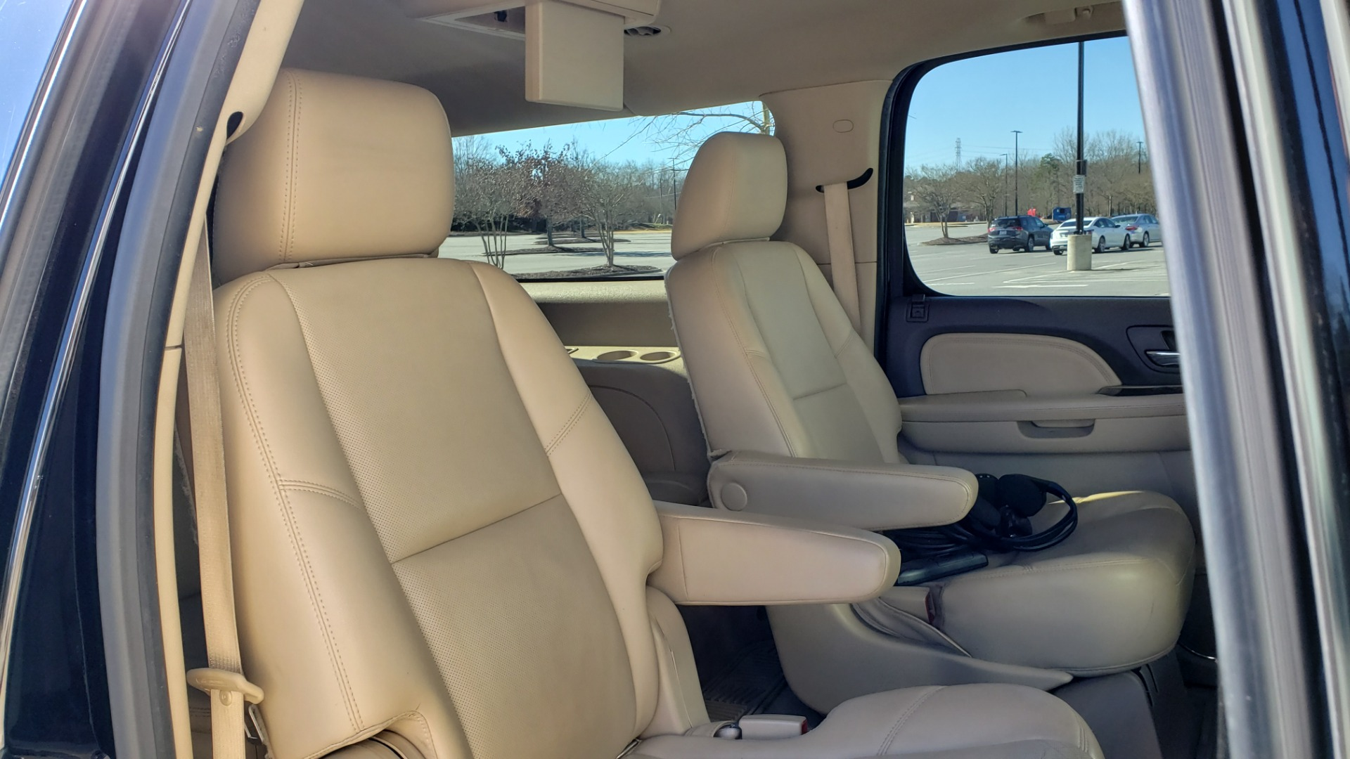 Used 2013 GMC YUKON XL DENALI / AWD / NAV / SUNROOF / 3-ROW / ENTERTAINMENT for sale Sold at Formula Imports in Charlotte NC 28227 71